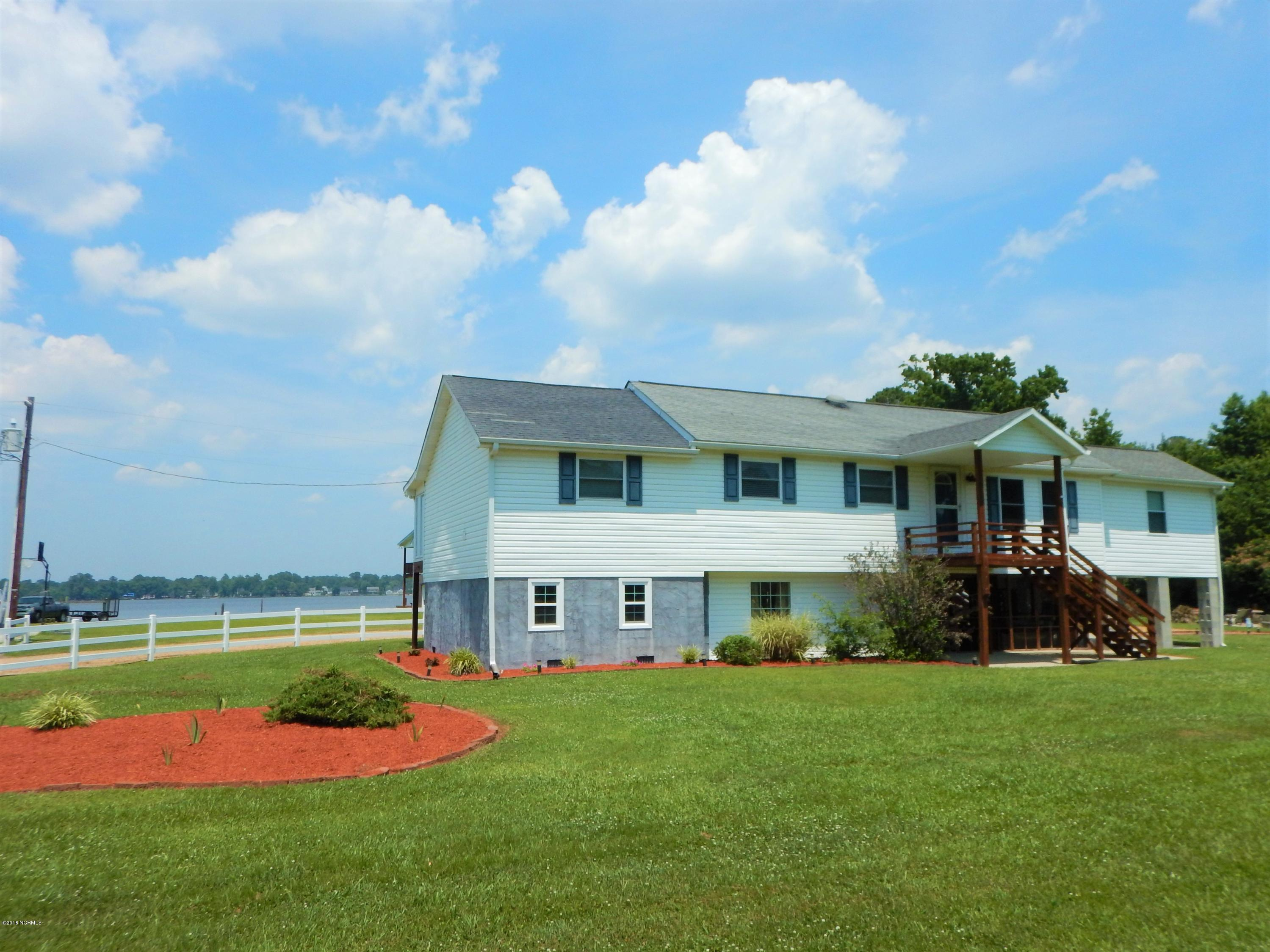 200 Fairwind Drive, Chocowinity, North Carolina, 3 Bedrooms Bedrooms, 7 Rooms Rooms,3 BathroomsBathrooms,Manufactured home,For sale,Fairwind,100122883