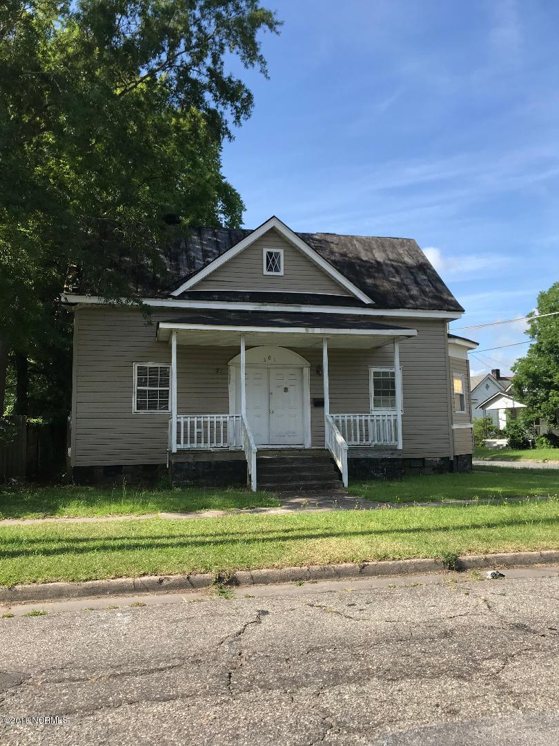 301 Peyton Avenue,Kinston,North Carolina,3 Bedrooms Bedrooms,6 Rooms Rooms,1 BathroomBathrooms,Single family residence,Peyton,100124668