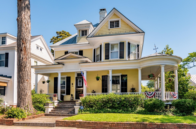 208 New Street,New Bern,North Carolina,4 Bedrooms Bedrooms,11 Rooms Rooms,3 BathroomsBathrooms,Single family residence,New,100125457