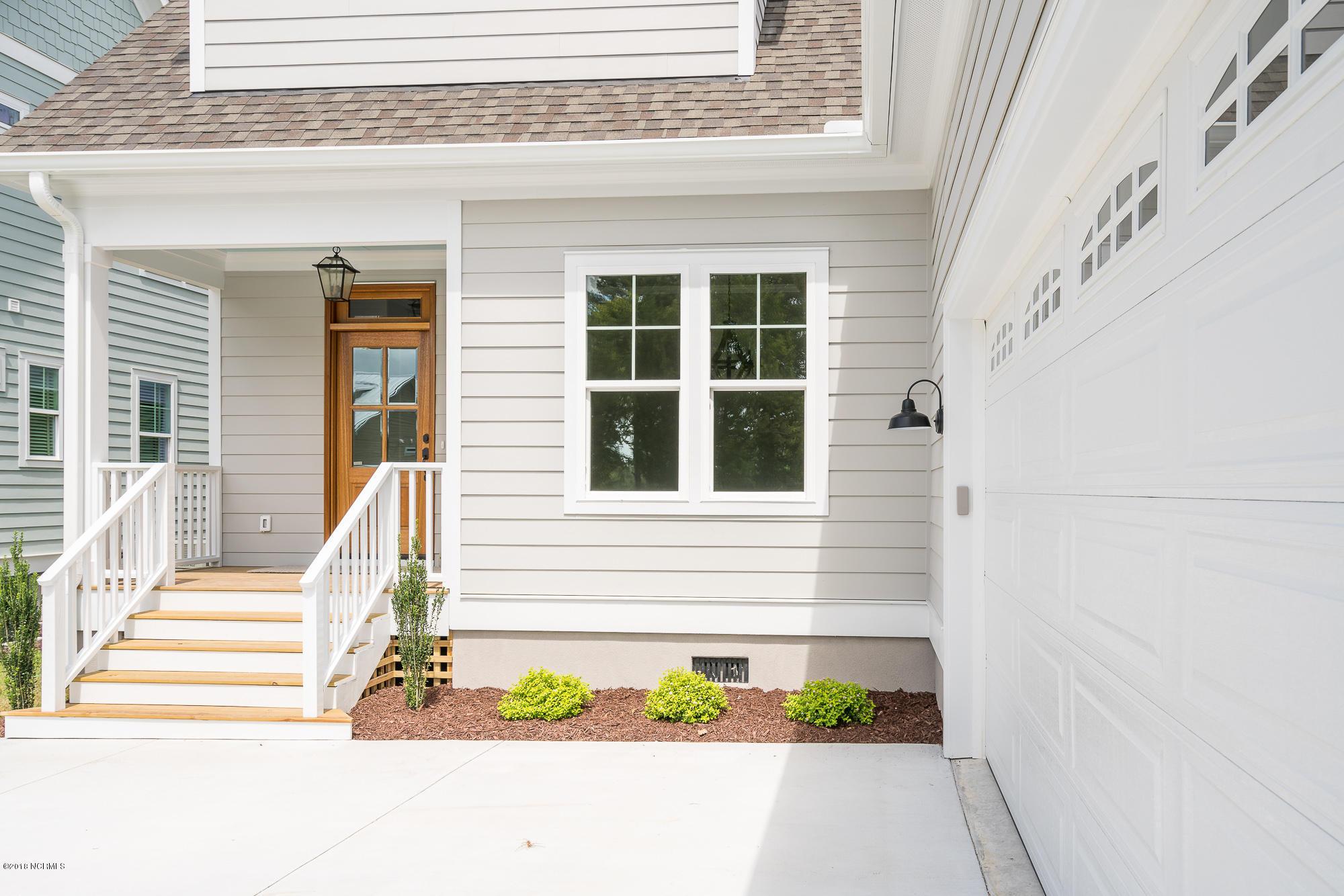 206 Shoreview Drive,New Bern,North Carolina,3 Bedrooms Bedrooms,6 Rooms Rooms,2 BathroomsBathrooms,Single family residence,Shoreview,100099320