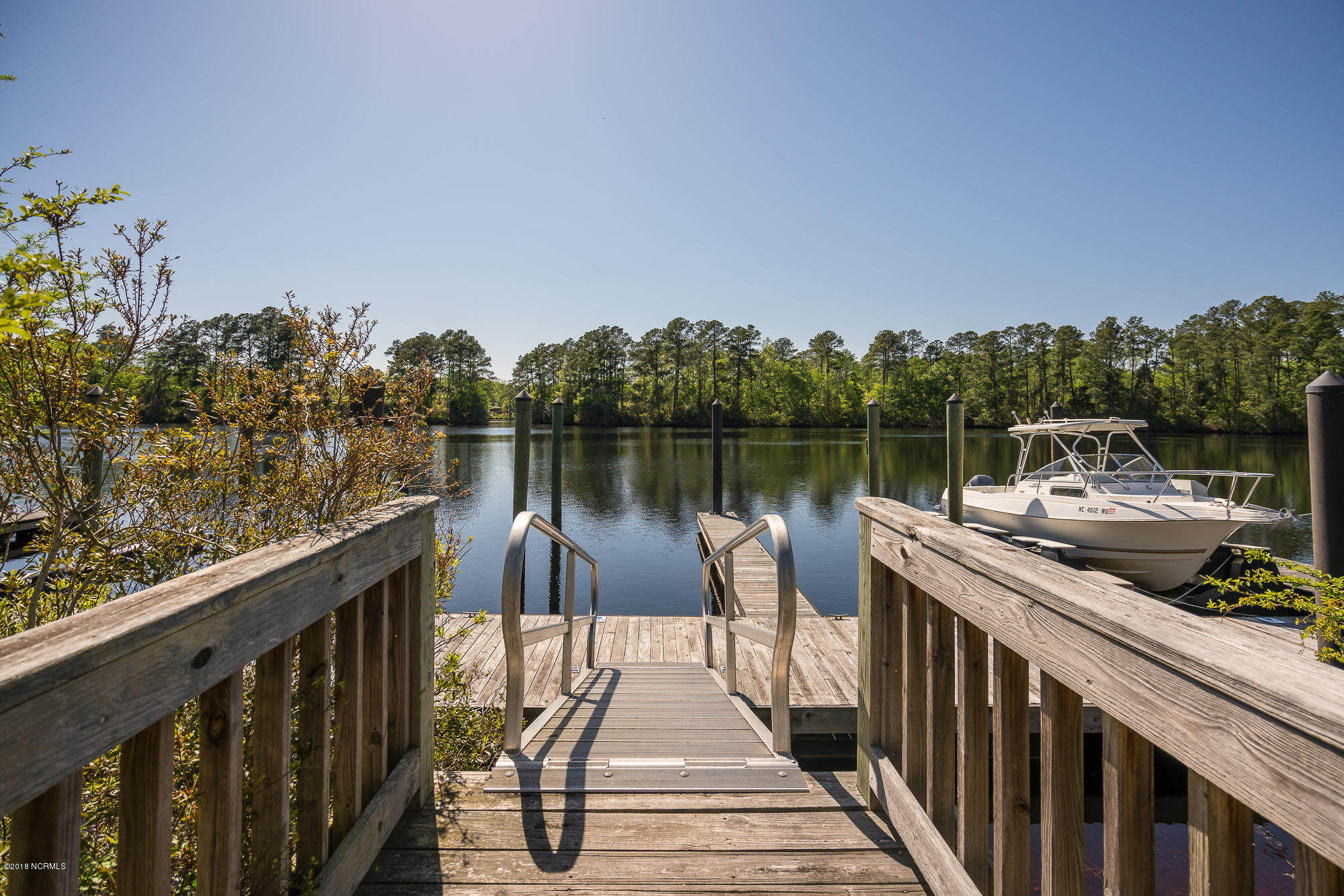 101 Shoreview Drive, New Bern, North Carolina 28562, ,Residential land,For sale,Shoreview,90095621
