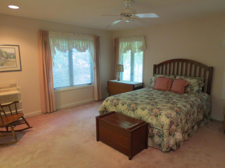 105 Tupelo Lane,Washington,North Carolina,3 Bedrooms Bedrooms,9 Rooms Rooms,2 BathroomsBathrooms,Single family residence,Tupelo,100129048