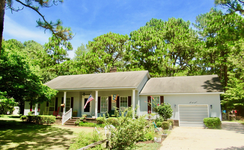6111 Albatross Drive,New Bern,North Carolina,3 Bedrooms Bedrooms,7 Rooms Rooms,2 BathroomsBathrooms,Single family residence,Albatross,100130640