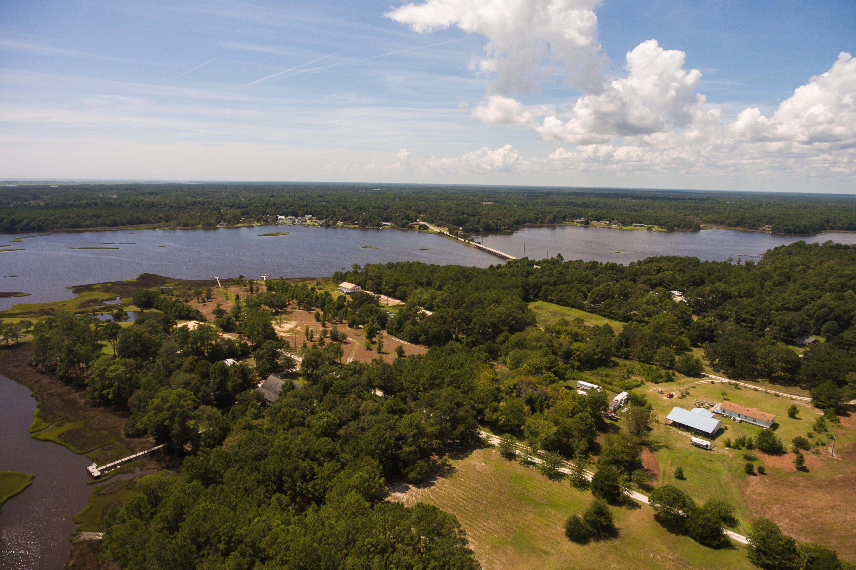 107 Ray Lane, Swansboro, North Carolina 28584, ,Mixed use,For sale,Ray,100133075