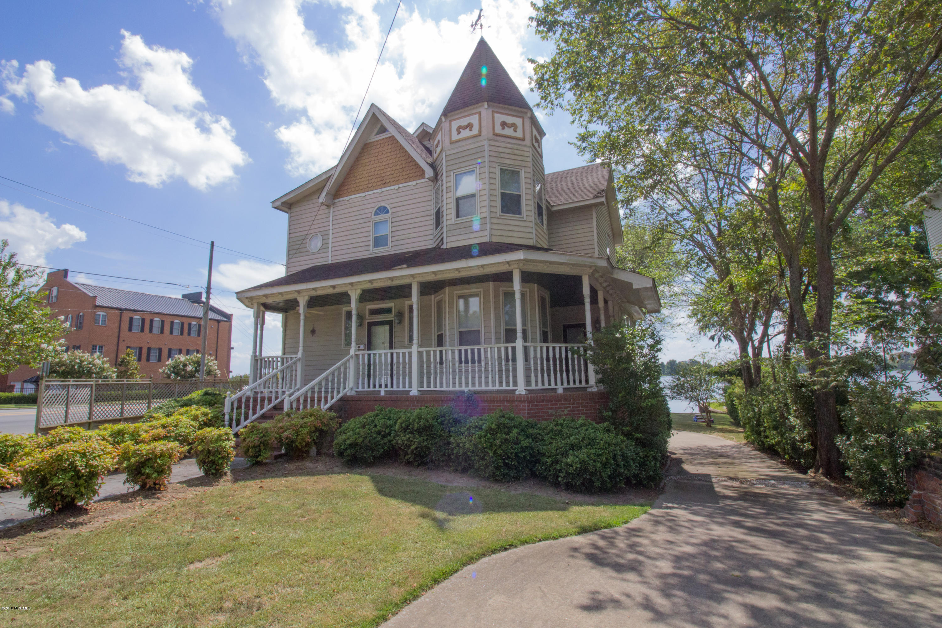 501 Main Street, Washington, North Carolina, 4 Bedrooms Bedrooms, 9 Rooms Rooms,3 BathroomsBathrooms,Single family residence,For sale,Main,100133880