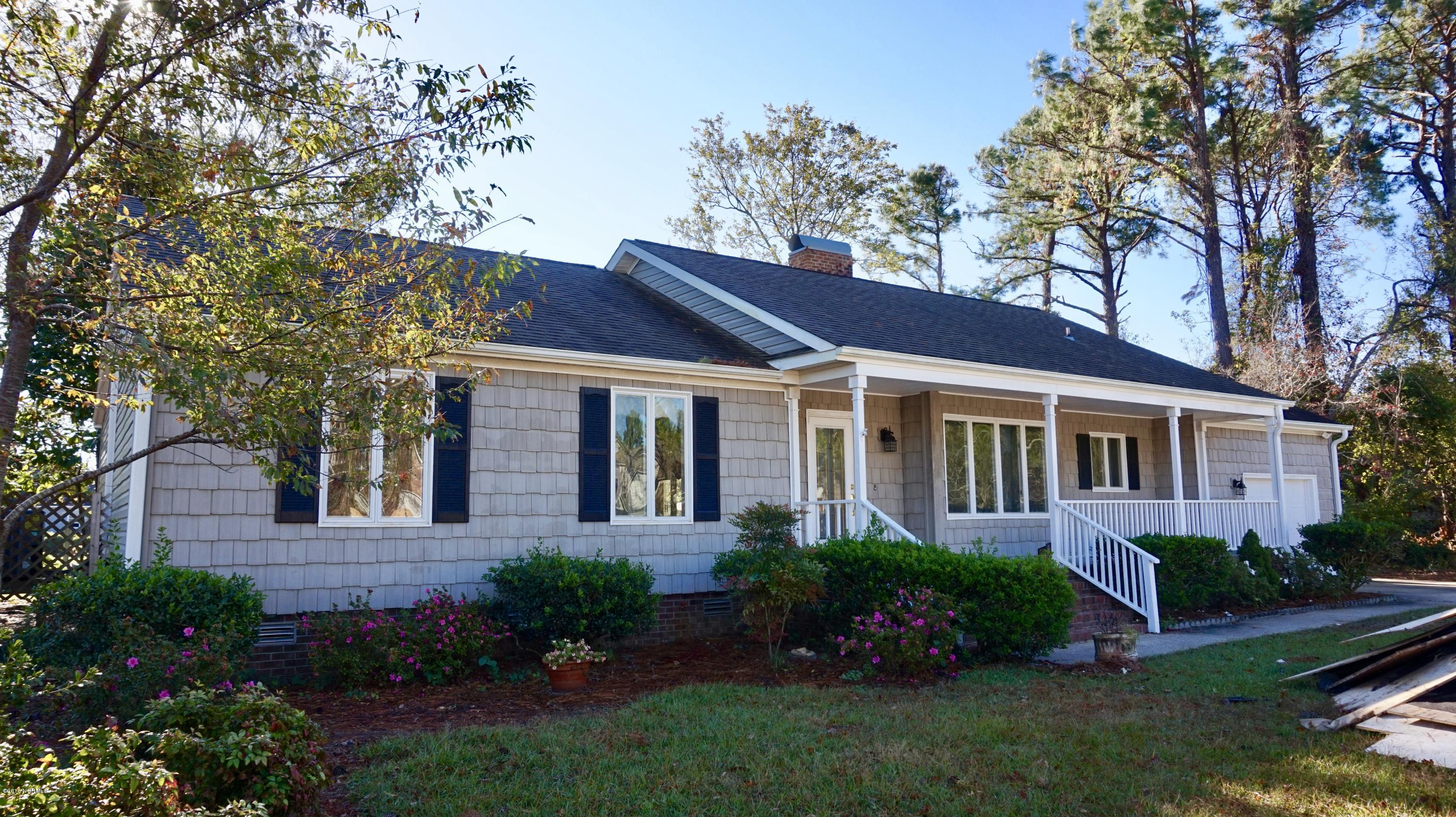 902 Coral Court, New Bern, North Carolina, 3 Bedrooms Bedrooms, 7 Rooms Rooms,2 BathroomsBathrooms,Single family residence,For sale,Coral,100139543