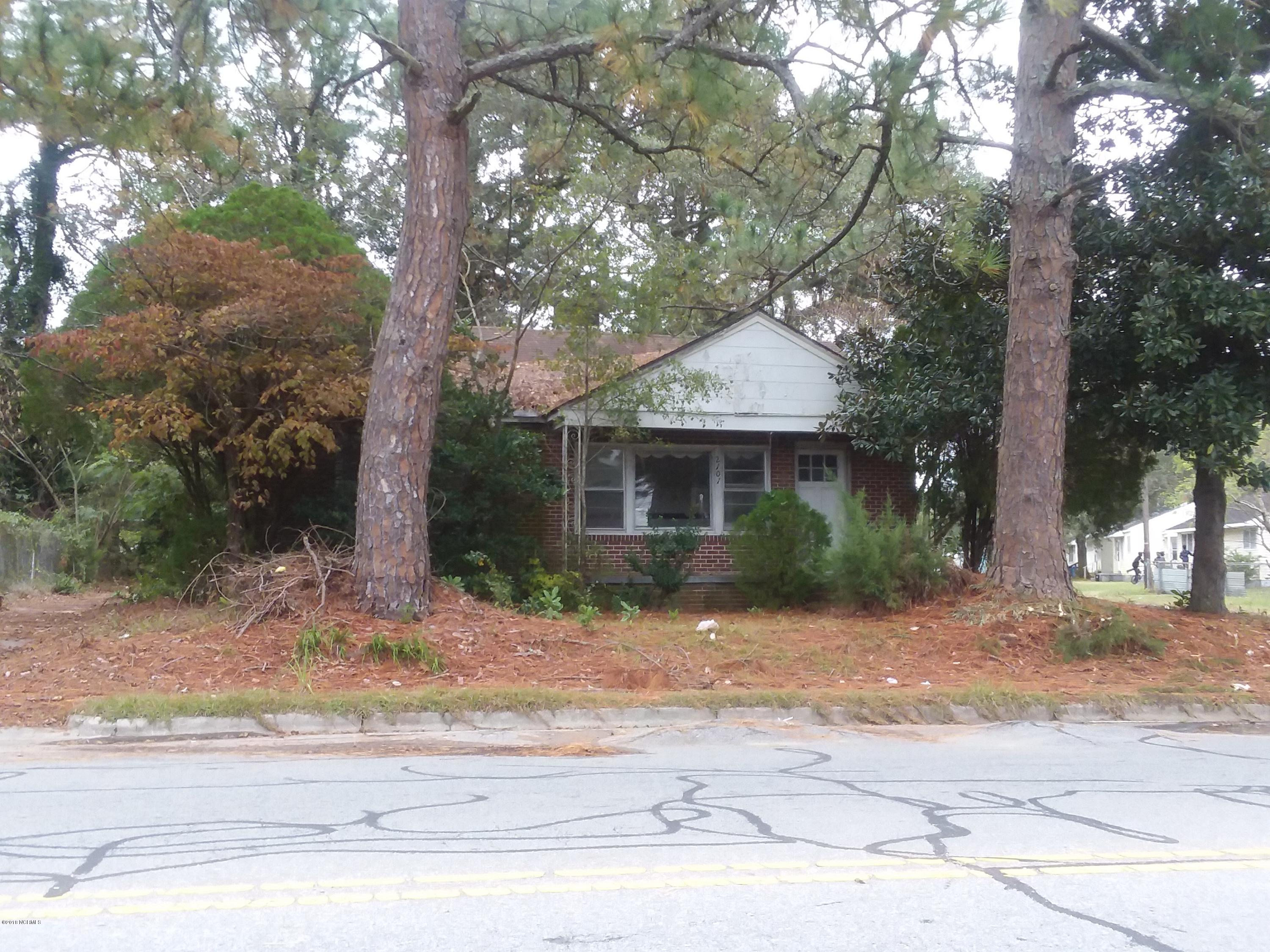 2101 Old Snow Hill Road, Kinston, North Carolina, 2 Bedrooms Bedrooms, 5 Rooms Rooms,1 BathroomBathrooms,Single family residence,For sale,Old Snow Hill,100139976