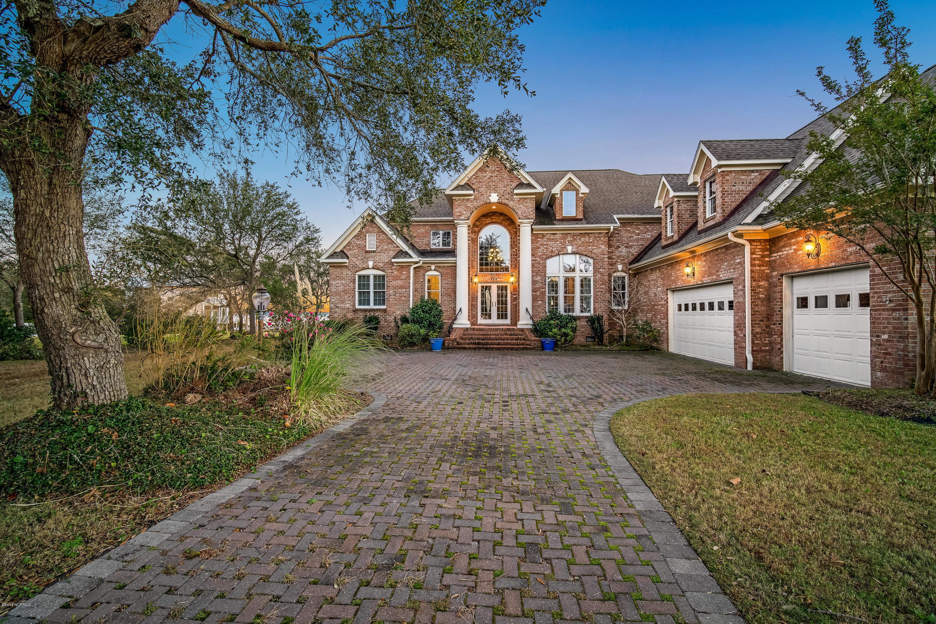125 Camp Morehead Drive, Morehead City, North Carolina, 5 Bedrooms Bedrooms, 11 Rooms Rooms,4 BathroomsBathrooms,Single family residence,For sale,Camp Morehead,100140121