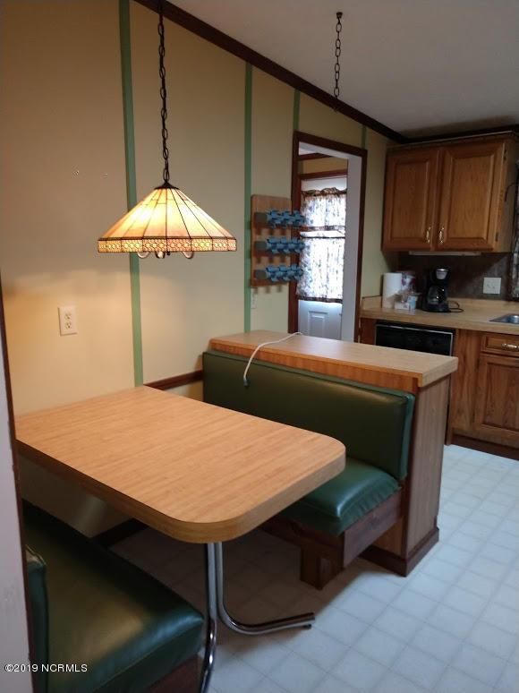 1003 Pirates Cove Circle, Oriental, North Carolina, 3 Bedrooms Bedrooms, 6 Rooms Rooms,2 BathroomsBathrooms,Single family residence,For sale,Pirates Cove,100149012