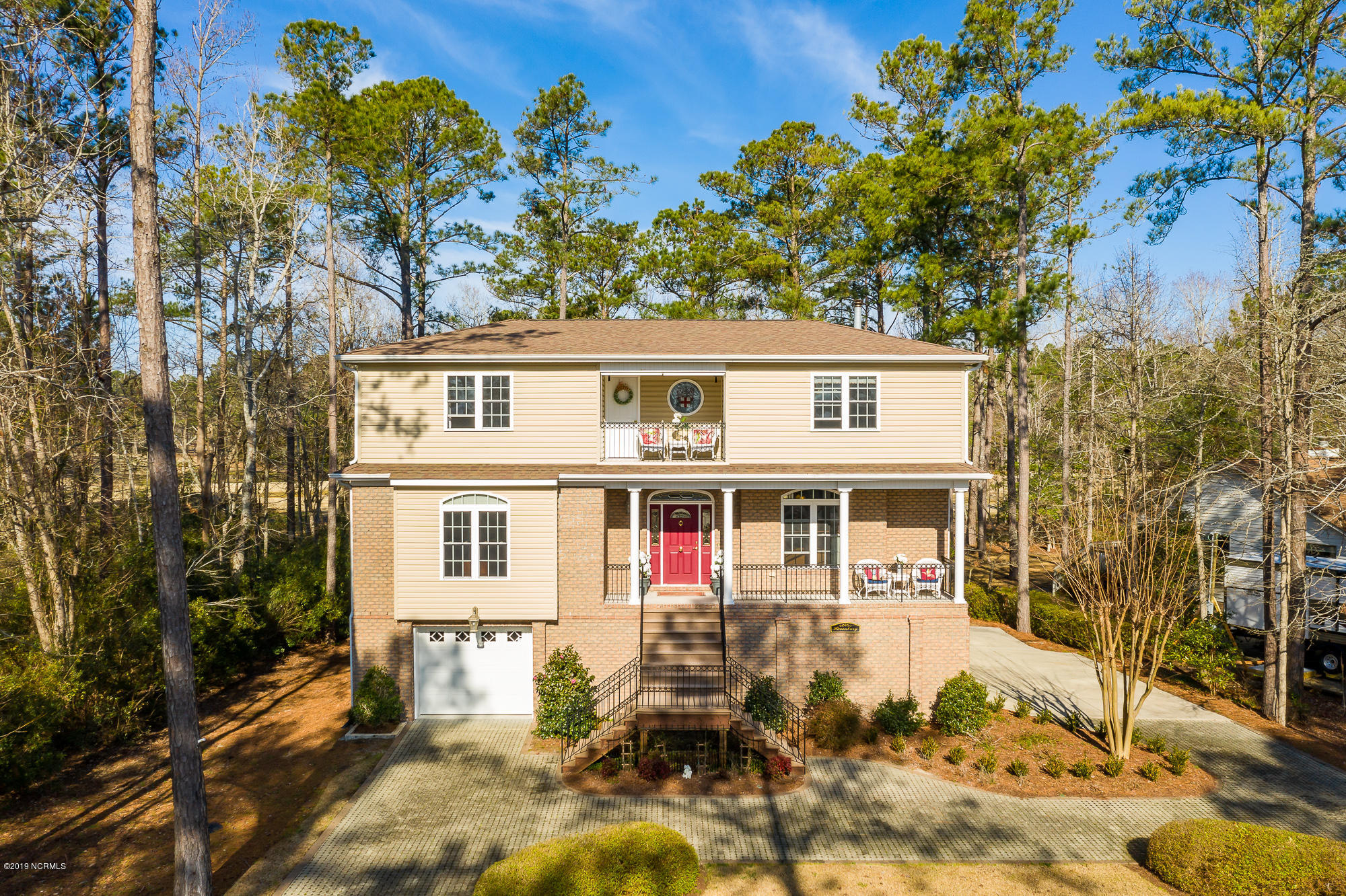 1019 Harbour Pointe Drive, New Bern, North Carolina, 3 Bedrooms Bedrooms, 9 Rooms Rooms,2 BathroomsBathrooms,Single family residence,For sale,Harbour Pointe,100149942
