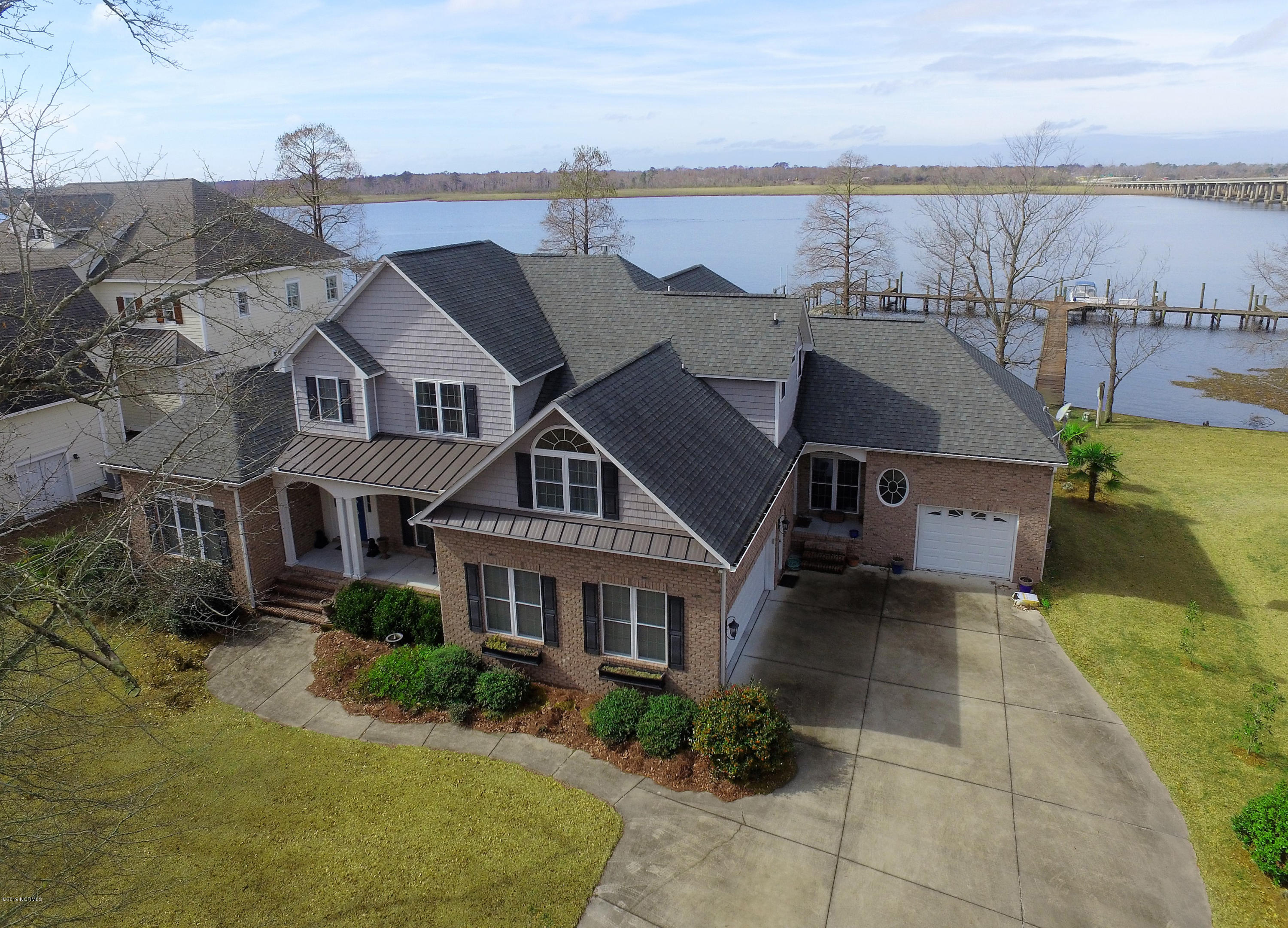 Property for sale at 102 Bridge Pointe Drive, New Bern,  North Carolina 28562