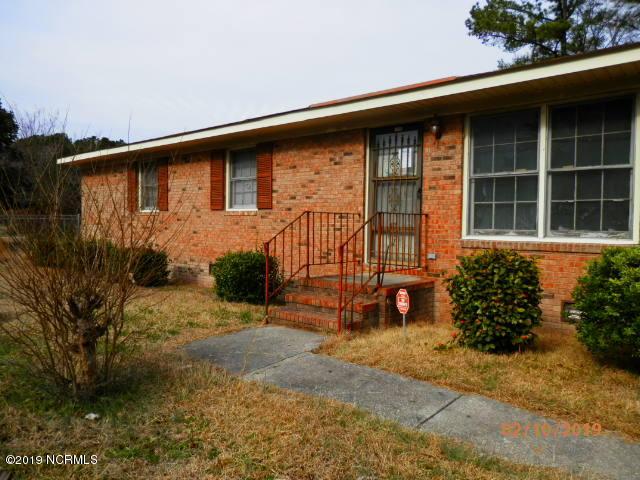 954 Spruce Street, Lumberton, North Carolina, 3 Bedrooms Bedrooms, 5 Rooms Rooms,1 BathroomBathrooms,Single family residence,For sale,Spruce,100150215