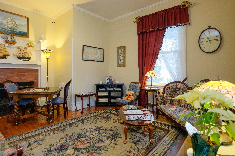 202 Queen Street, Edenton, North Carolina 27932, 9 Bedrooms Bedrooms, 15 Rooms Rooms,9 BathroomsBathrooms,Single family residence,For sale,Queen,100150439