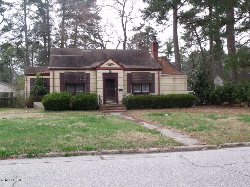 1209 Sycamore Street, Rocky Mount, North Carolina, 2 Bedrooms Bedrooms, 6 Rooms Rooms,1 BathroomBathrooms,Single family residence,For sale,Sycamore,100157055