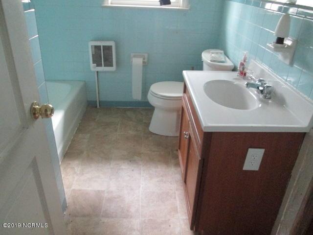 3635 Roy Beach Road, Oak City, North Carolina 27857, 3 Bedrooms Bedrooms, 5 Rooms Rooms,1 BathroomBathrooms,Single family residence,For sale,Roy Beach,100157076