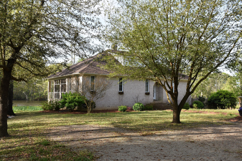682 Peninsula Drive, Bath, North Carolina, 4 Bedrooms Bedrooms, 8 Rooms Rooms,3 BathroomsBathrooms,Single family residence,For sale,Peninsula,100159966