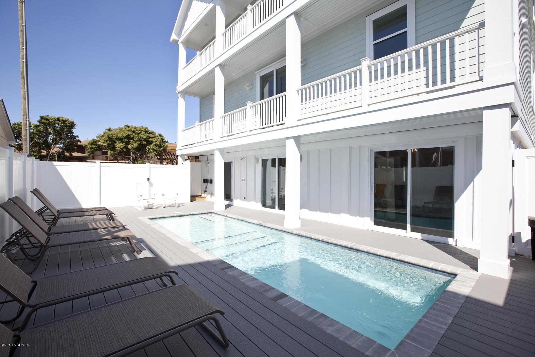 121 Atlantic Avenue, Kure Beach, North Carolina, 6 Bedrooms Bedrooms, 11 Rooms Rooms,6 BathroomsBathrooms,Single family residence,For sale,Atlantic,100097866