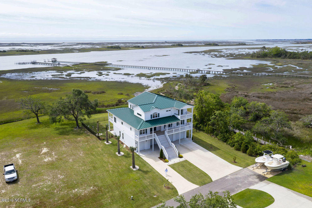 51 Long Point Lane, Hampstead, North Carolina, 4 Bedrooms Bedrooms, 11 Rooms Rooms,3 BathroomsBathrooms,Single family residence,For sale,Long Point,100164482