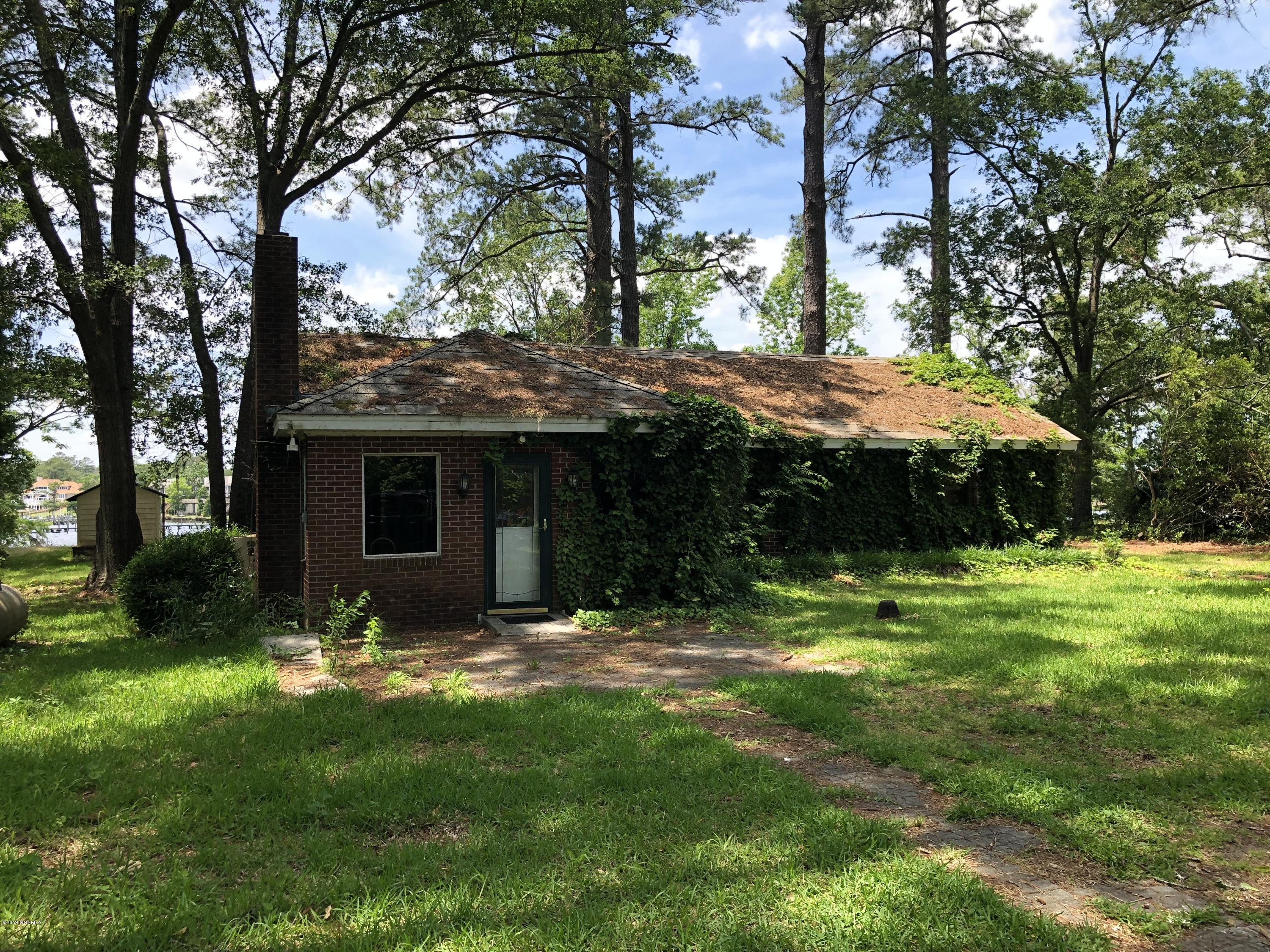 806 Madam Moores Lane, New Bern, North Carolina 28562, 3 Bedrooms Bedrooms, 7 Rooms Rooms,1 BathroomBathrooms,Single family residence,For sale,Madam Moores,100165994