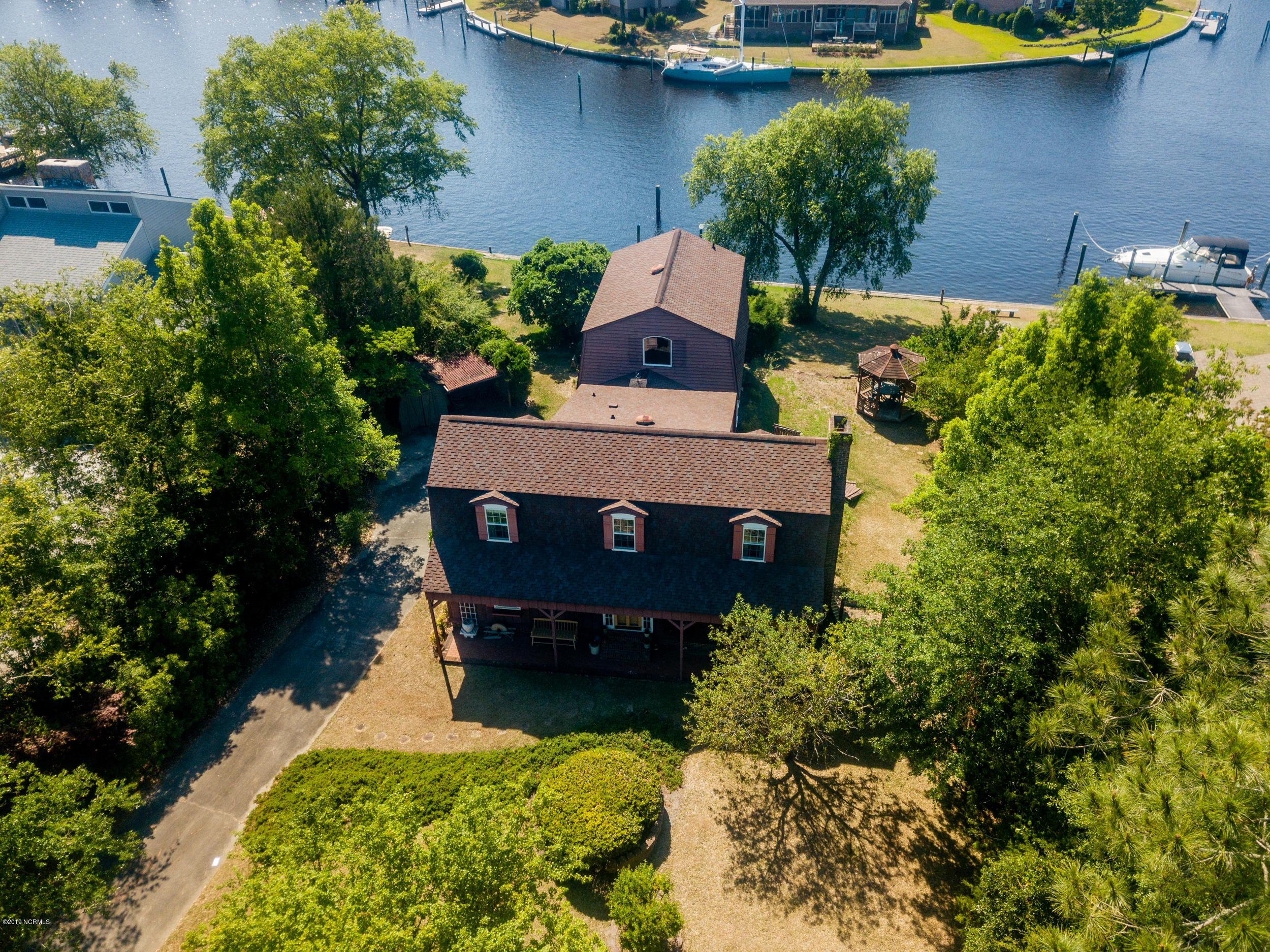 6104 Cardinal Drive, New Bern, North Carolina 28560, 4 Bedrooms Bedrooms, 6 Rooms Rooms,3 BathroomsBathrooms,Single family residence,For sale,Cardinal,100165875
