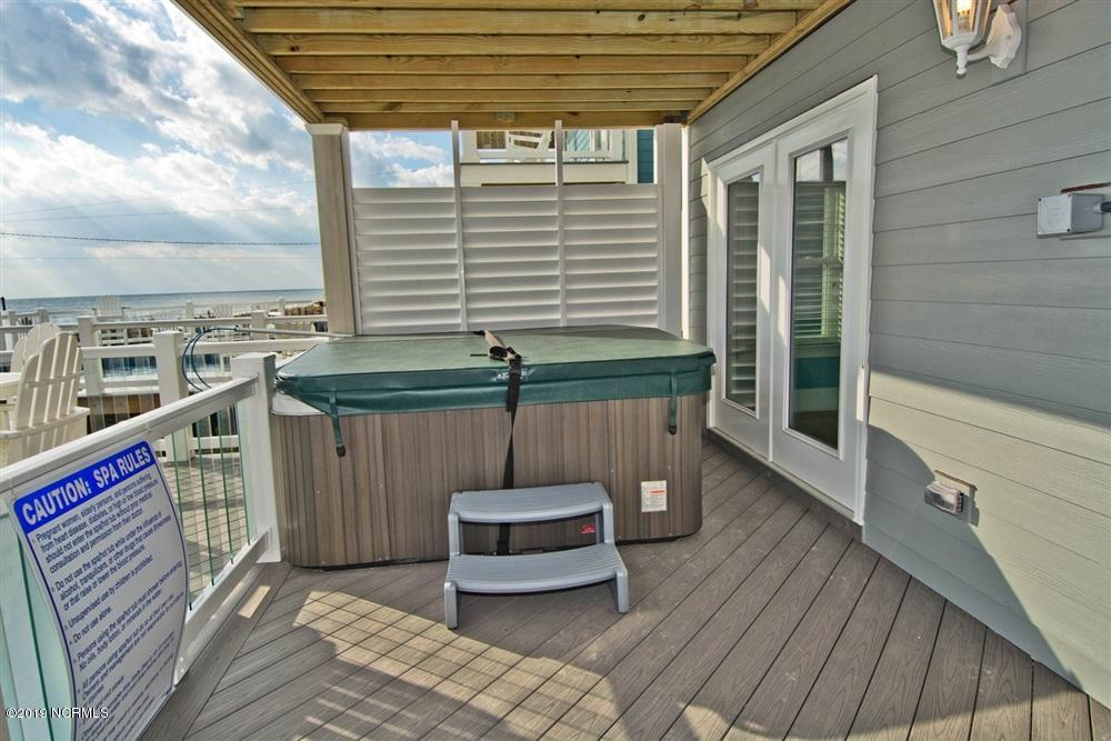 212 Glenn Street, Atlantic Beach, North Carolina 28512, 8 Bedrooms Bedrooms, 12 Rooms Rooms,9 BathroomsBathrooms,Single family residence,For sale,Glenn,100167140