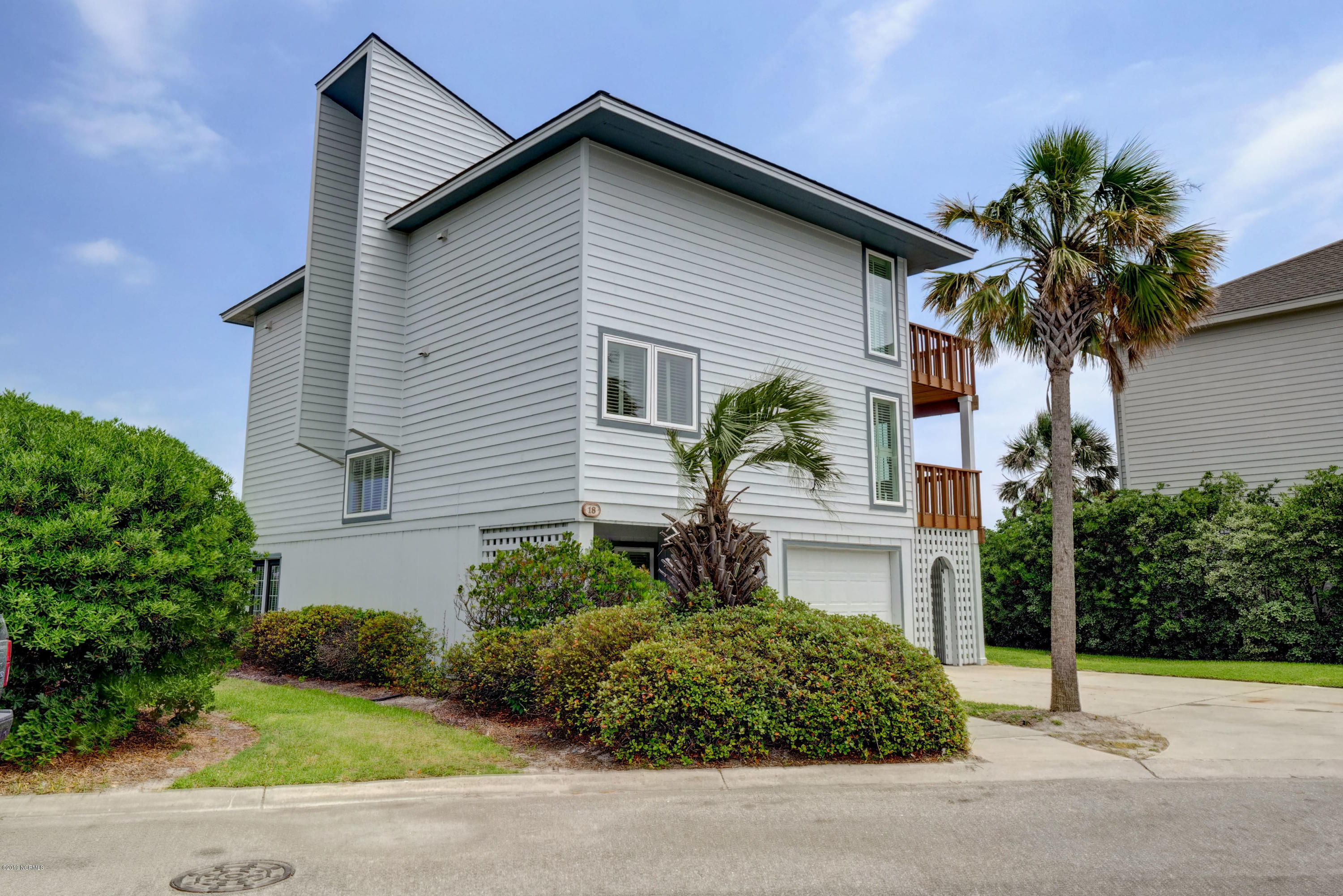 18 Sea Oats Lane, Wrightsville Beach, North Carolina 28480, 4 Bedrooms Bedrooms, 8 Rooms Rooms,3 BathroomsBathrooms,Single family residence,For sale,Sea Oats,100165963
