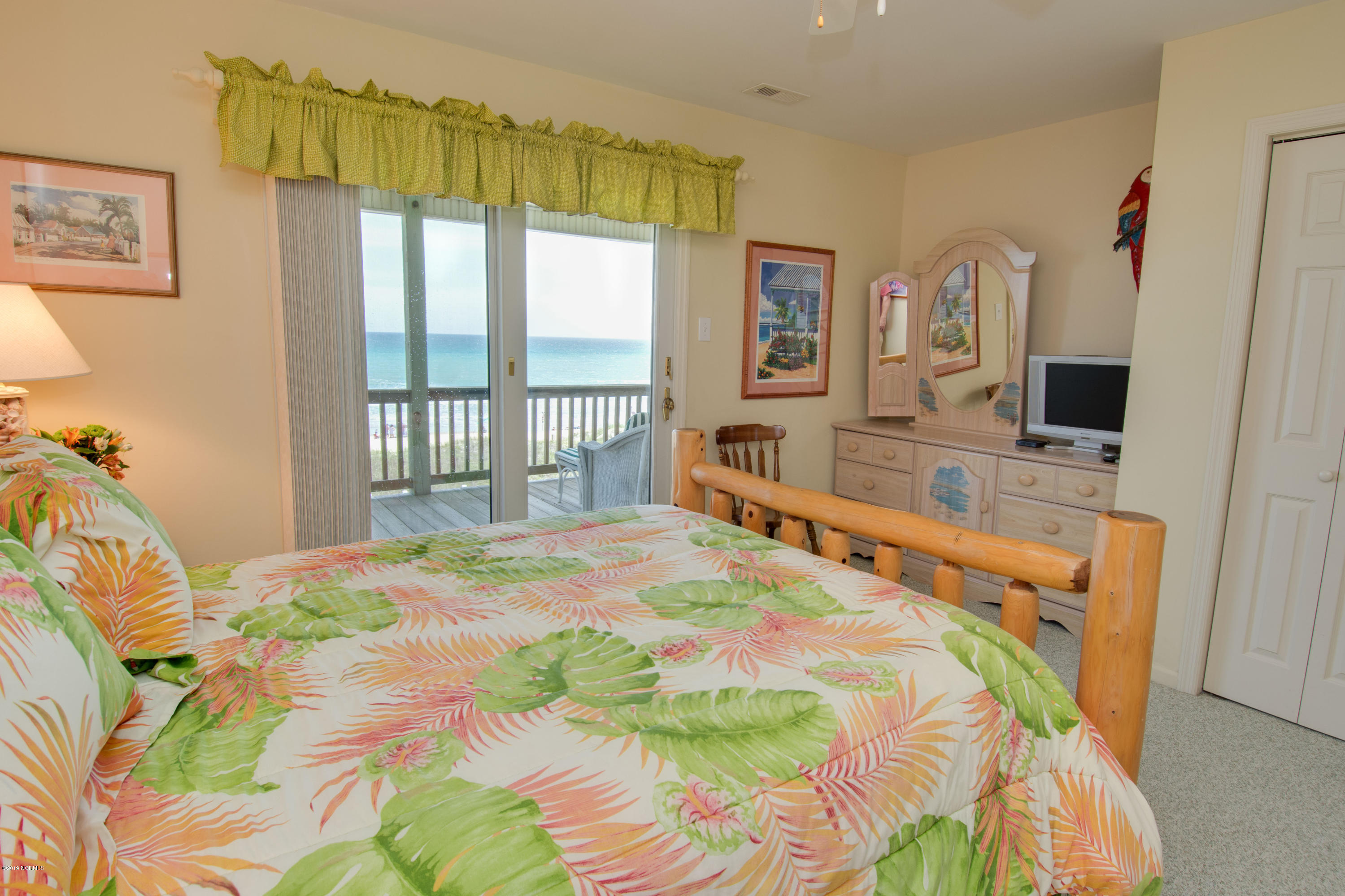 6715 Ocean Drive, Emerald Isle, North Carolina 28594, 6 Bedrooms Bedrooms, 15 Rooms Rooms,7 BathroomsBathrooms,Single family residence,For sale,Ocean,100170150
