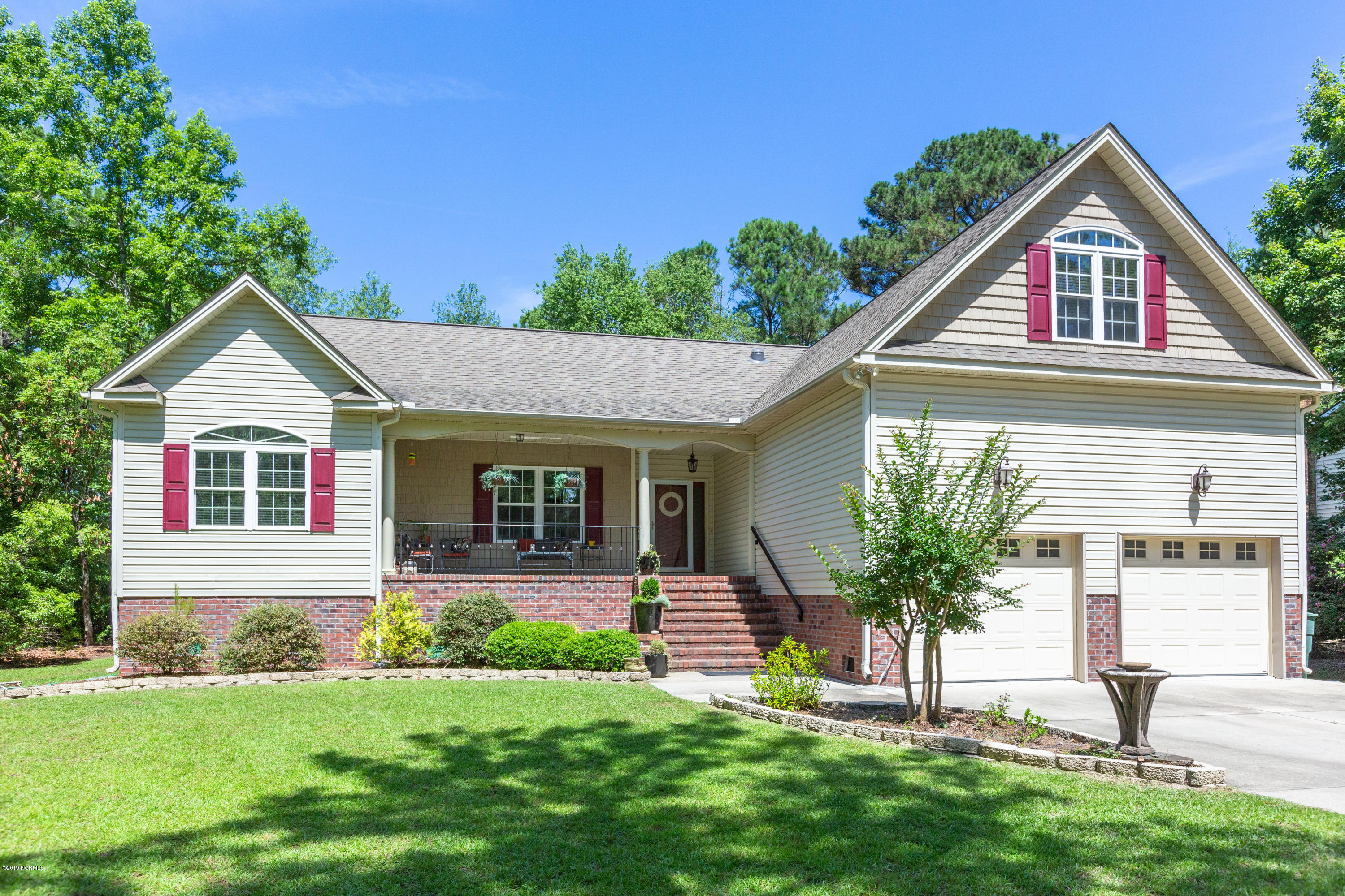 1023 Harbour Pointe Drive, New Bern, North Carolina, 3 Bedrooms Bedrooms, 10 Rooms Rooms,2 BathroomsBathrooms,Single family residence,For sale,Harbour Pointe,100171149