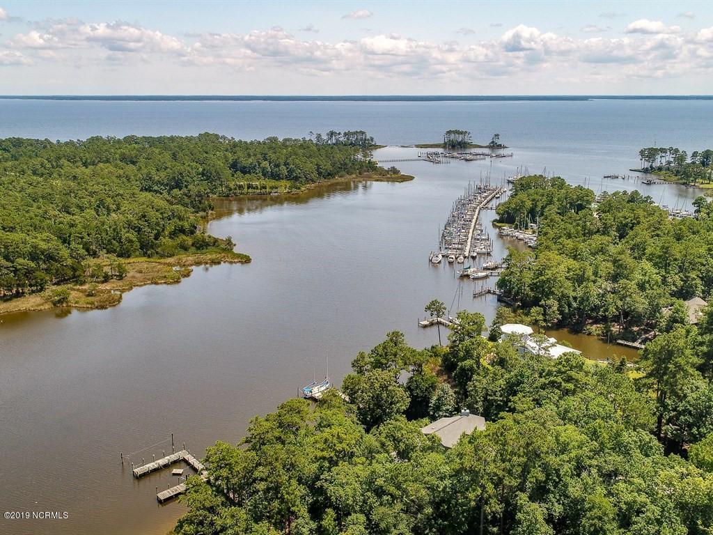 43 Off Whittaker Point Road, Oriental, North Carolina 28571, ,Dockaminium,For sale,Off Whittaker Point,100174217