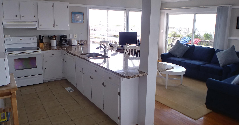 6609 Ocean Drive, Emerald Isle, North Carolina 28594, 4 Bedrooms Bedrooms, 7 Rooms Rooms,2 BathroomsBathrooms,Single family residence,For sale,Ocean,100176450