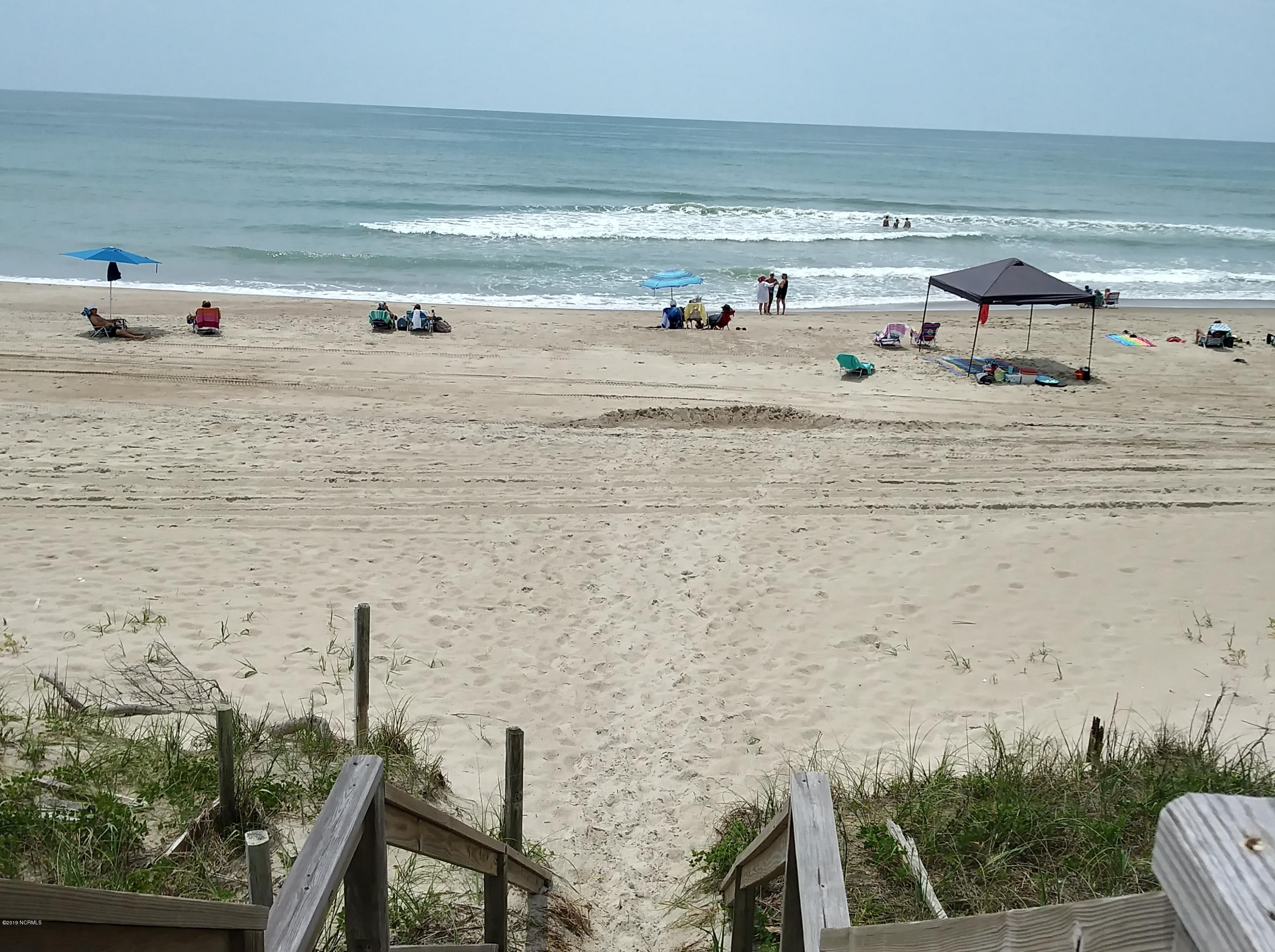 7401 Ocean Drive, Emerald Isle, North Carolina 28594, 5 Bedrooms Bedrooms, 10 Rooms Rooms,4 BathroomsBathrooms,Single family residence,For sale,Ocean,100176467