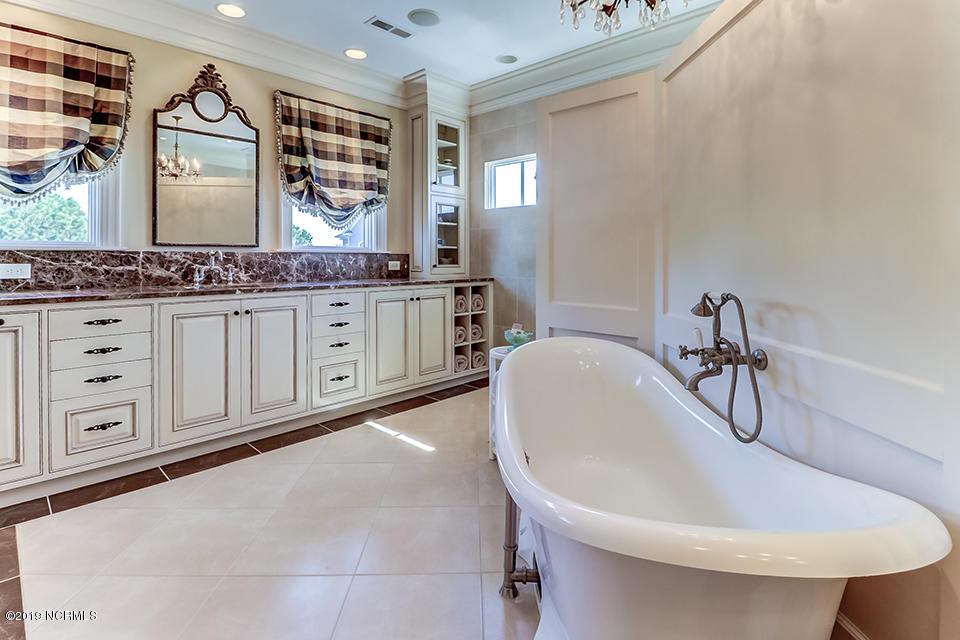 6320 Guinea Lane, Wilmington, North Carolina 28409, 4 Bedrooms Bedrooms, 13 Rooms Rooms,4 BathroomsBathrooms,Single family residence,For sale,Guinea,100178095