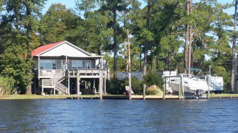 38 Captain Tom Drive, Washington, North Carolina 27889, 3 Bedrooms Bedrooms, 5 Rooms Rooms,2 BathroomsBathrooms,Single family residence,For sale,Captain Tom,100178963