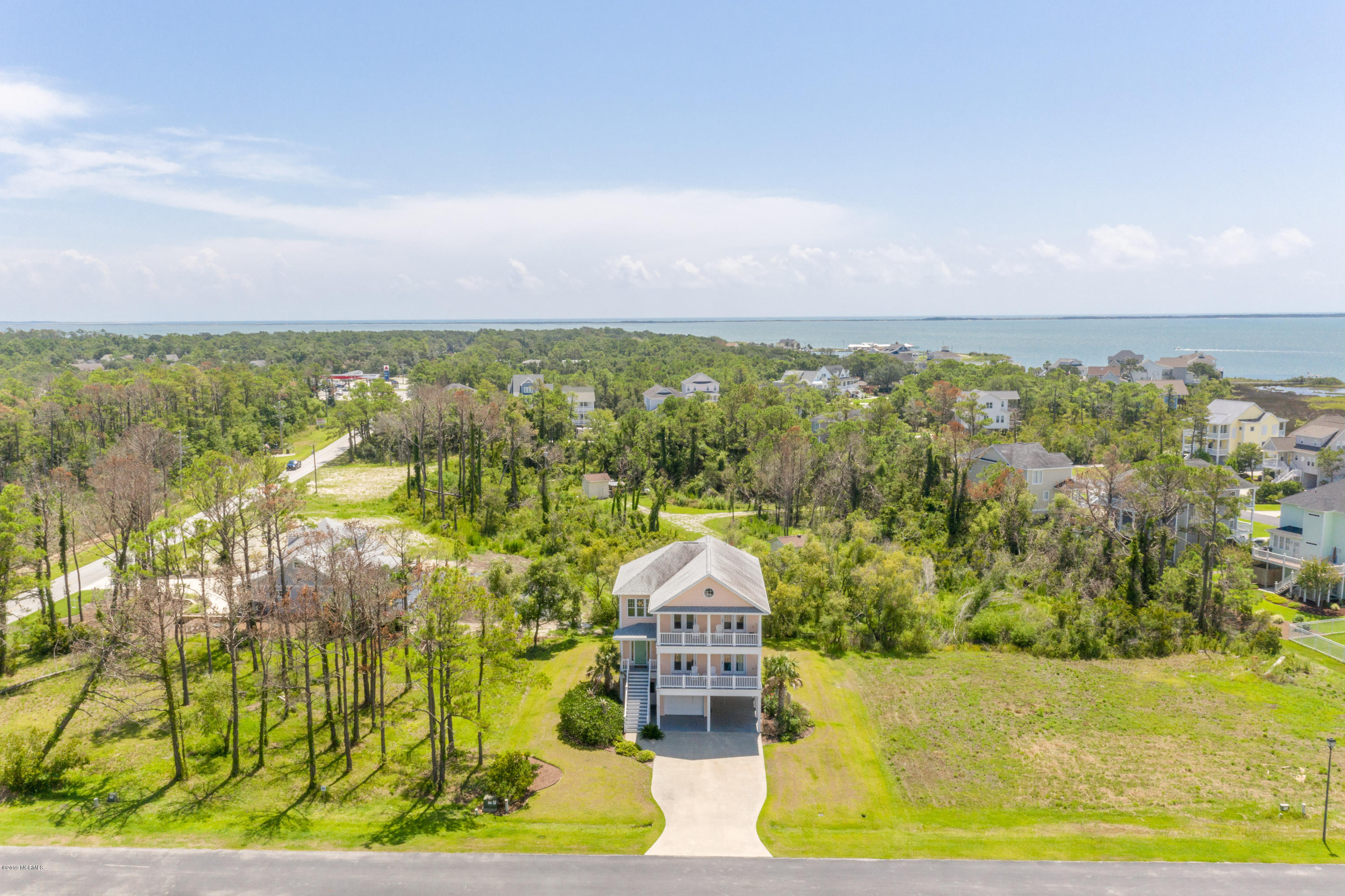 105 Pintail Lane, Harkers Island, North Carolina 28531, 4 Bedrooms Bedrooms, 8 Rooms Rooms,3 BathroomsBathrooms,Single family residence,For sale,Pintail,100179146