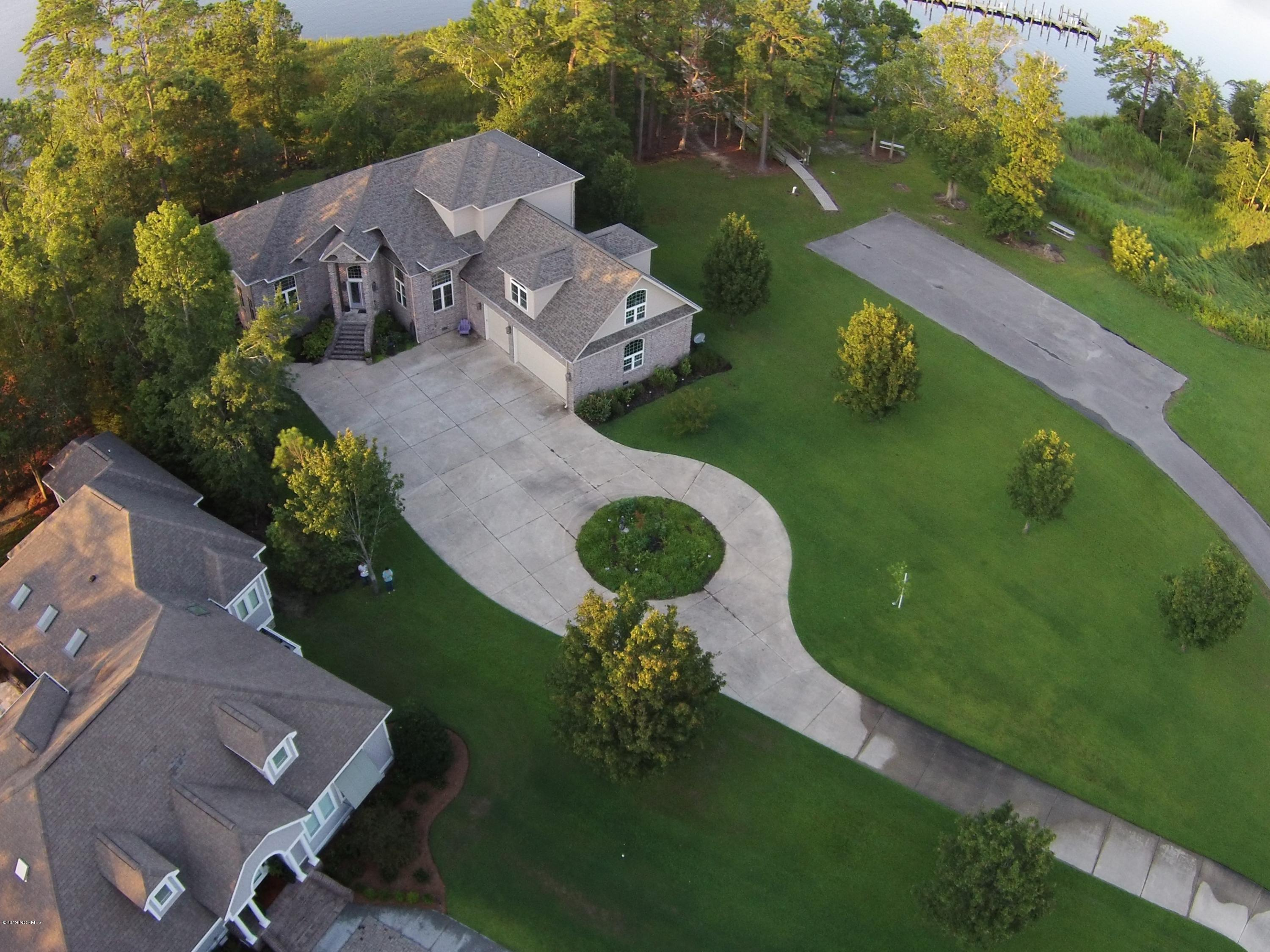 146 Morning Side Drive, Arapahoe, North Carolina 28510, 3 Bedrooms Bedrooms, 11 Rooms Rooms,4 BathroomsBathrooms,Single family residence,For sale,Morning Side,100180130