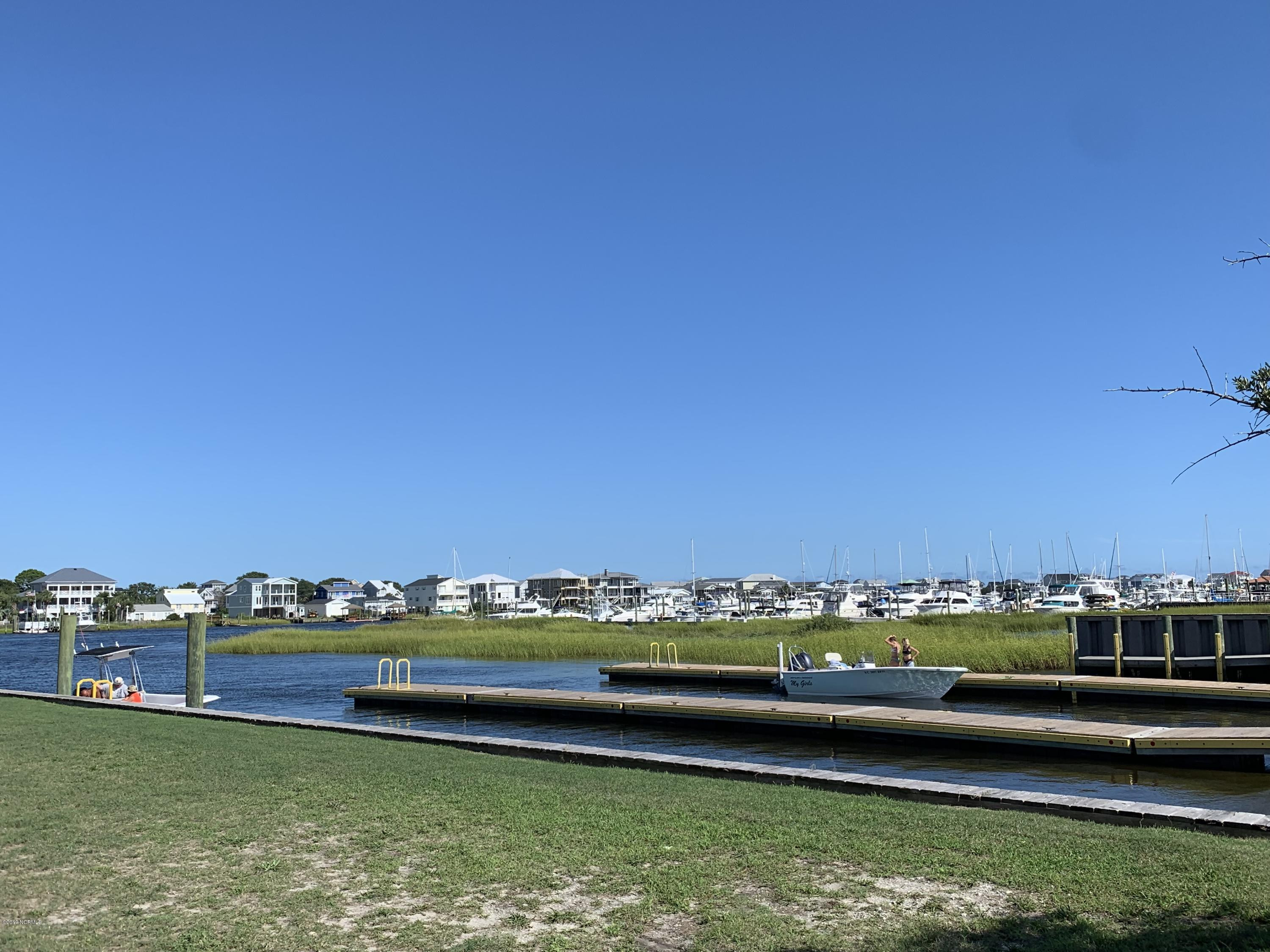 206-208 Spencer Farlow Drive, Carolina Beach, North Carolina 28428, ,Residential land,For sale,Spencer Farlow,100181663