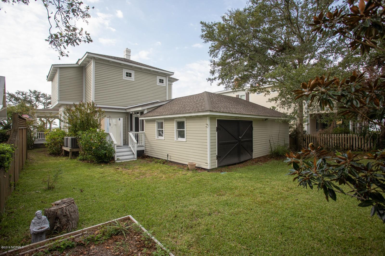 308 Moore Street, Southport, North Carolina 28461, 3 Bedrooms Bedrooms, 7 Rooms Rooms,2 BathroomsBathrooms,Single family residence,For sale,Moore,100186258