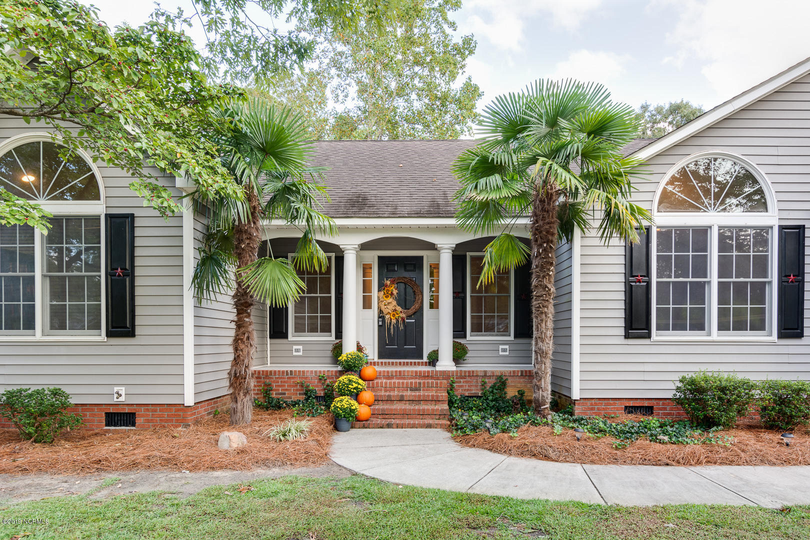 Property for sale at 2315 Crestview Drive, New Bern,  North Carolina 28562