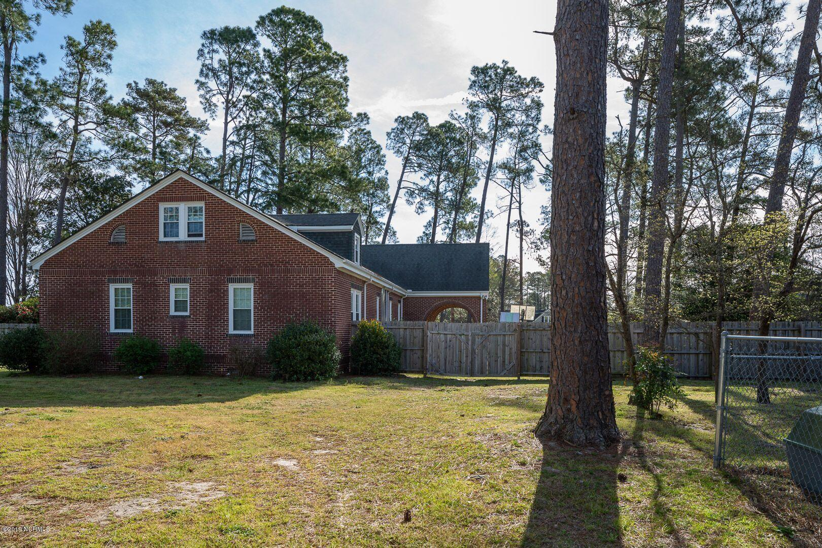 203 Main Street, Salemburg, North Carolina 28385, 4 Bedrooms Bedrooms, 5 Rooms Rooms,2 BathroomsBathrooms,Single family residence,For sale,Main,100189045