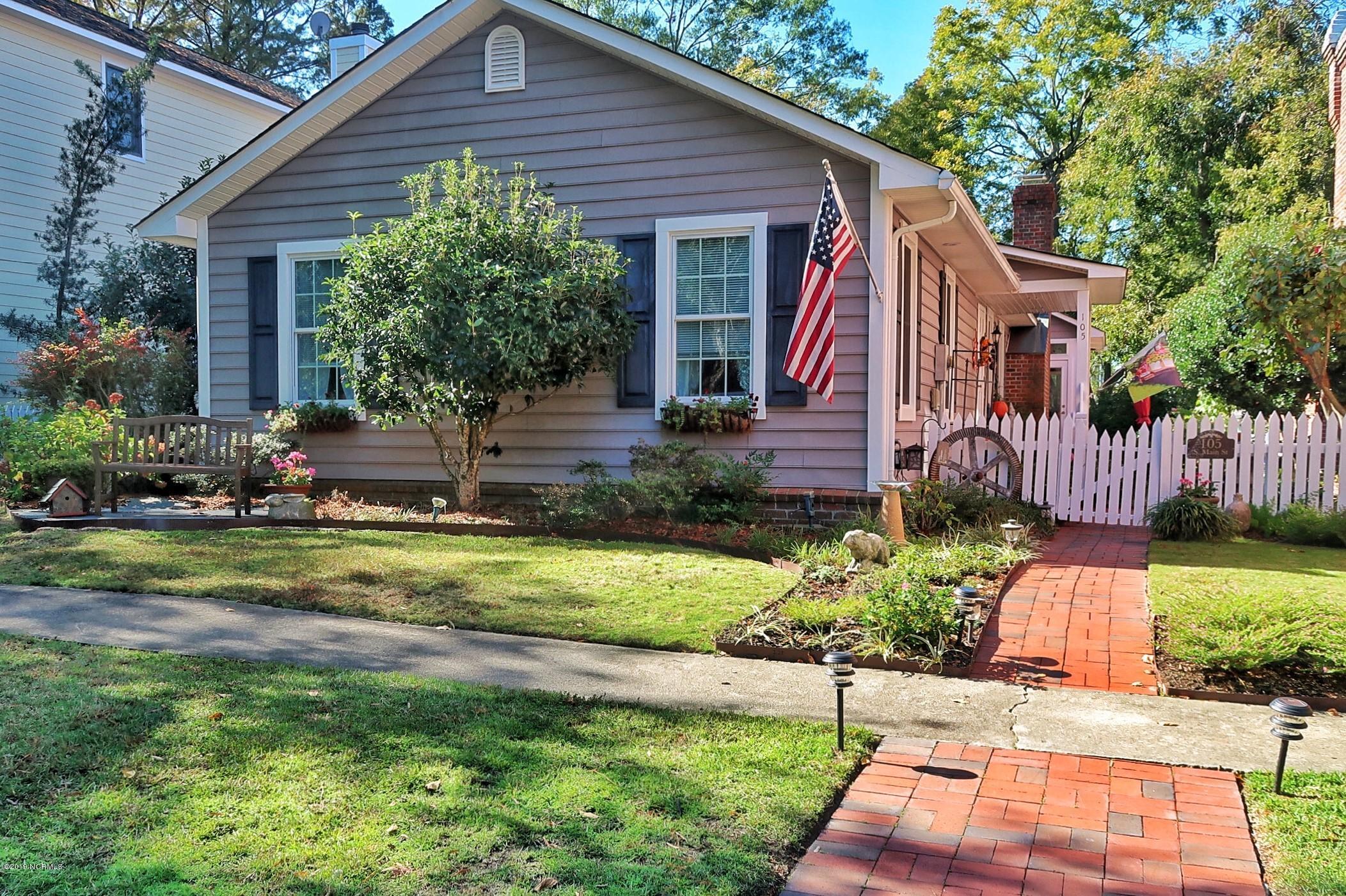 105 Main Street, Bath, North Carolina 27808, 2 Bedrooms Bedrooms, 6 Rooms Rooms,2 BathroomsBathrooms,Single family residence,For sale,Main,100191276