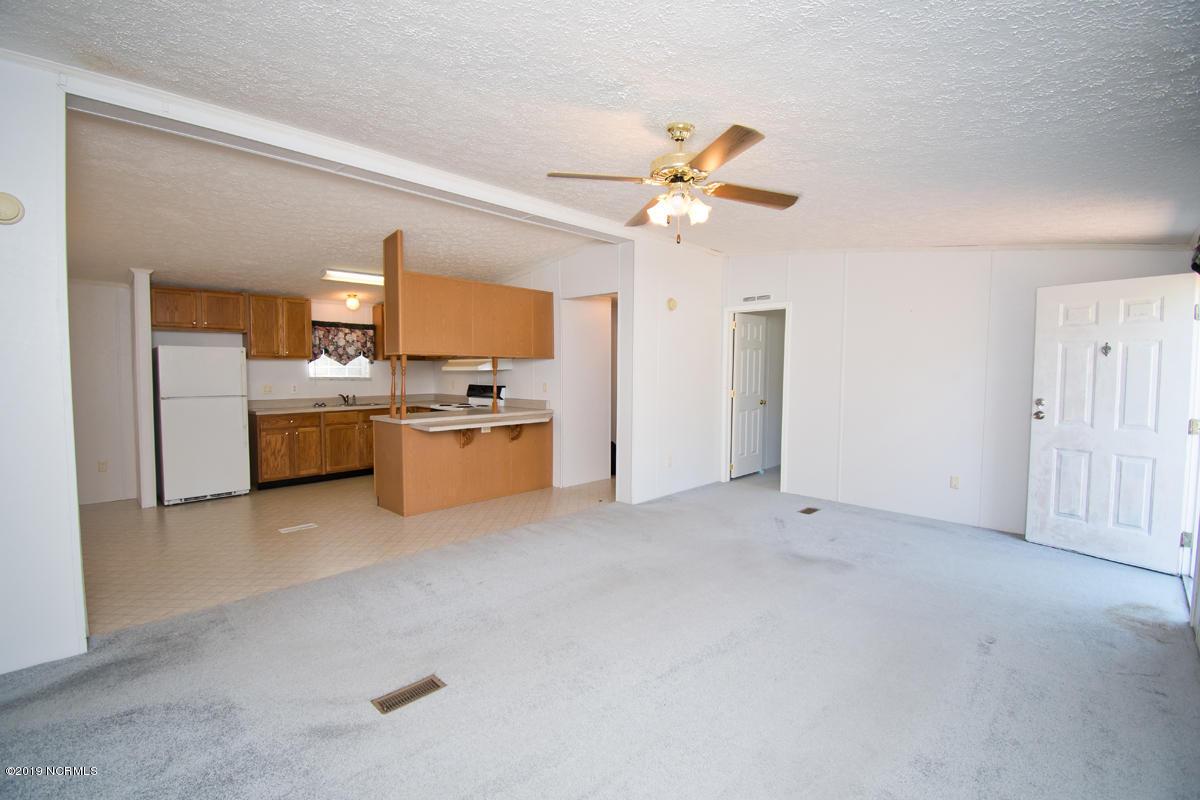 117 Bayshore Drive, Cape Carteret, North Carolina 28584, 3 Bedrooms Bedrooms, 8 Rooms Rooms,2 BathroomsBathrooms,Manufactured home,For sale,Bayshore,100194425