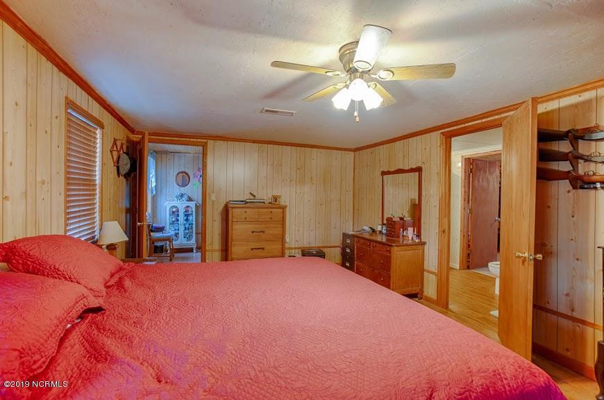 1305 Beulah Road, Scranton, North Carolina 27875, 3 Bedrooms Bedrooms, 7 Rooms Rooms,2 BathroomsBathrooms,Single family residence,For sale,Beulah,100184651