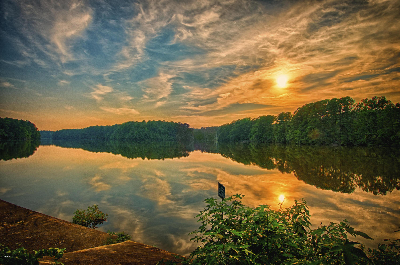 Enjoy the 80 acre lake!