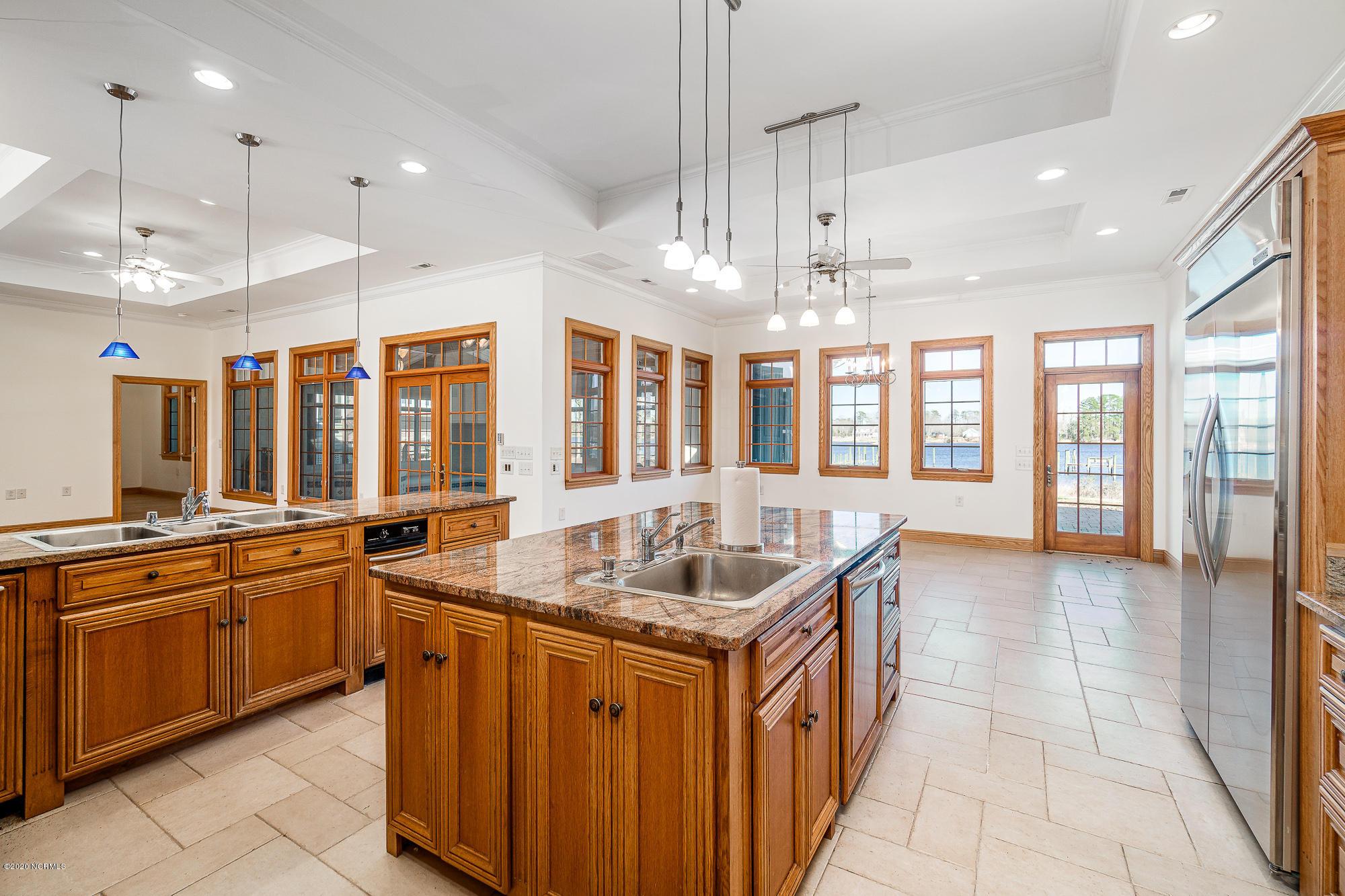 105 Bimini Court, Havelock, North Carolina 28532, 4 Bedrooms Bedrooms, 11 Rooms Rooms,4 BathroomsBathrooms,Single family residence,For sale,Bimini,100208929