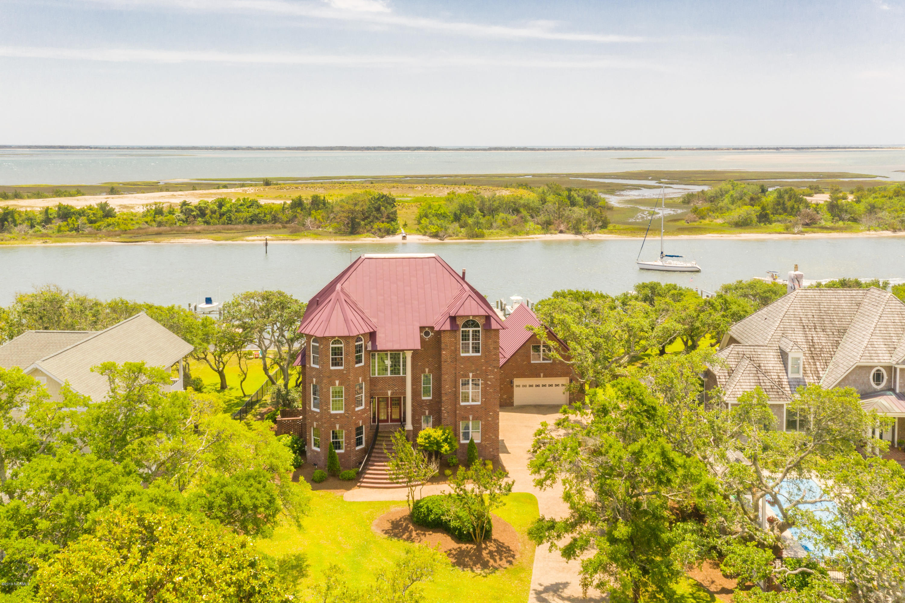 2528 Lennoxville Road, Beaufort, North Carolina 28516, 4 Bedrooms Bedrooms, 9 Rooms Rooms,4 BathroomsBathrooms,Single family residence,For sale,Lennoxville,100208852