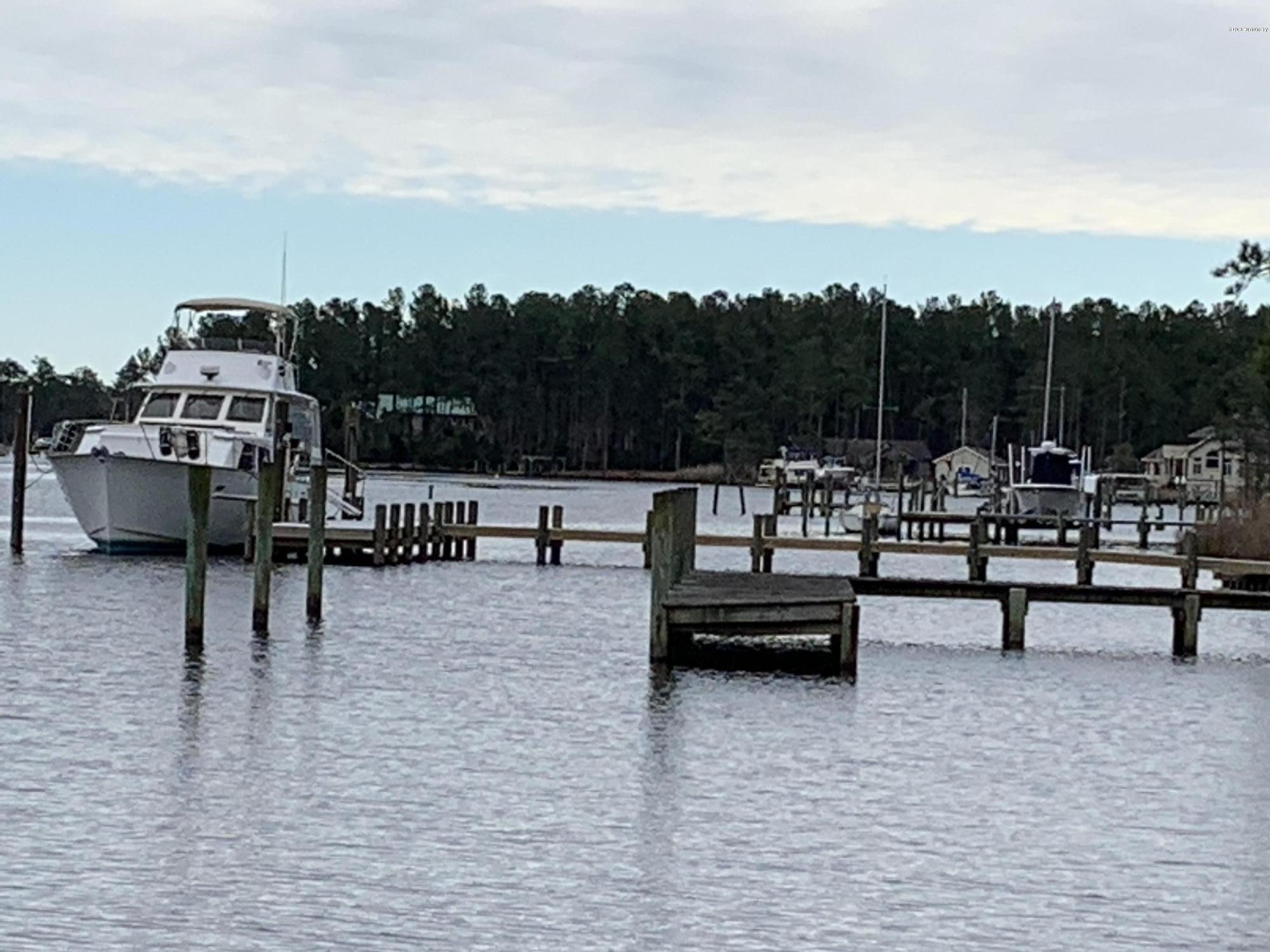 320 Port Drive, Oriental, North Carolina 28571, ,Wooded,For sale,Port,100209051