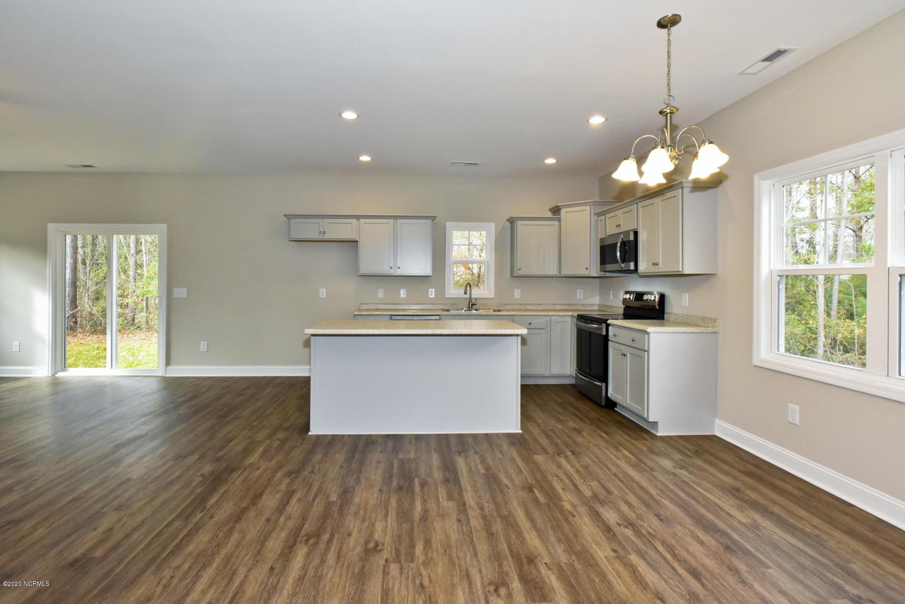 488 Old 30 Road, Jacksonville, North Carolina 28546, 3 Bedrooms Bedrooms, 8 Rooms Rooms,2 BathroomsBathrooms,Single family residence,For sale,Old 30,100212062
