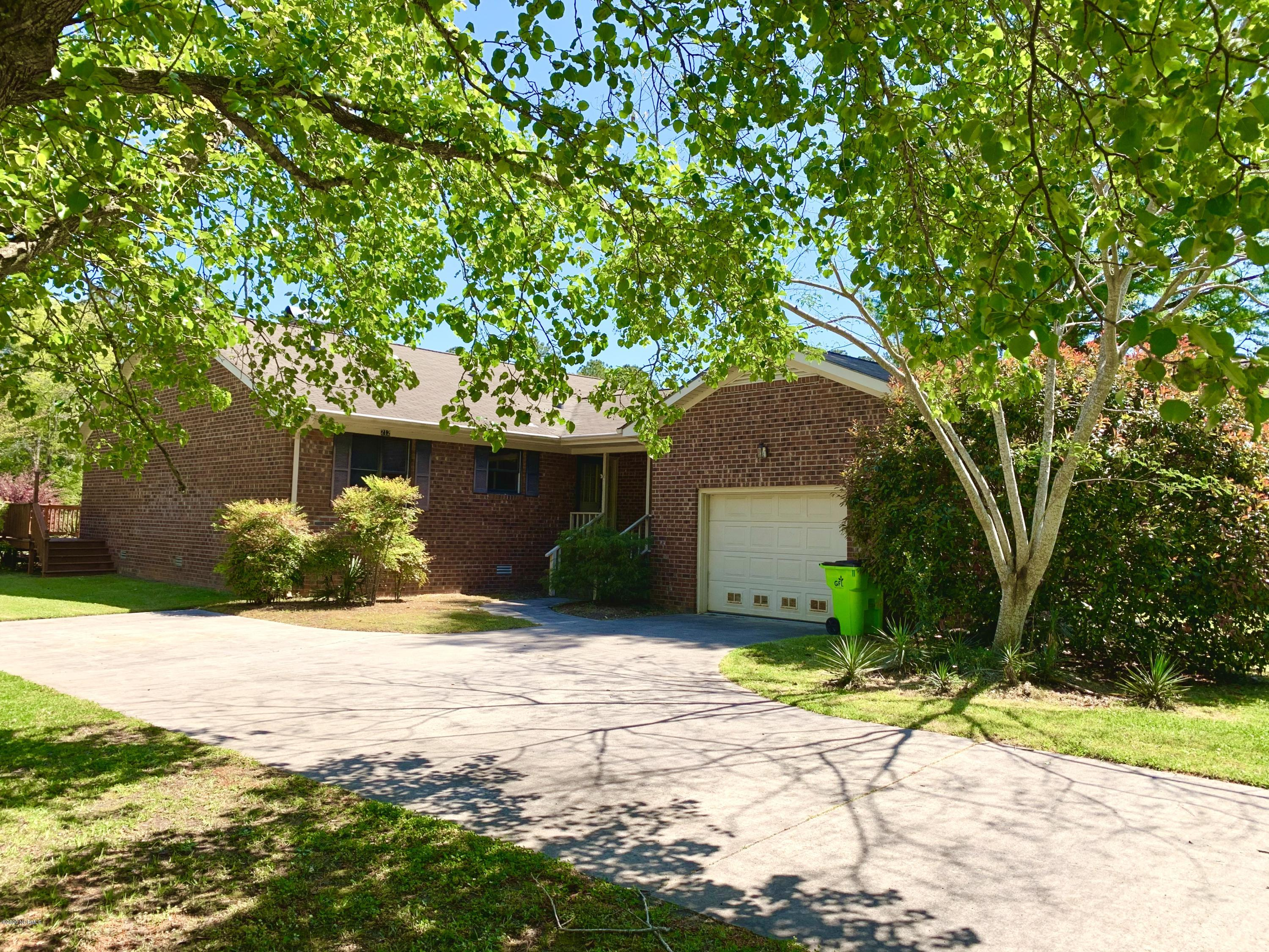 212 Channel Run Drive, New Bern, North Carolina 28562, 3 Bedrooms Bedrooms, 6 Rooms Rooms,2 BathroomsBathrooms,Single family residence,For sale,Channel Run,100213714