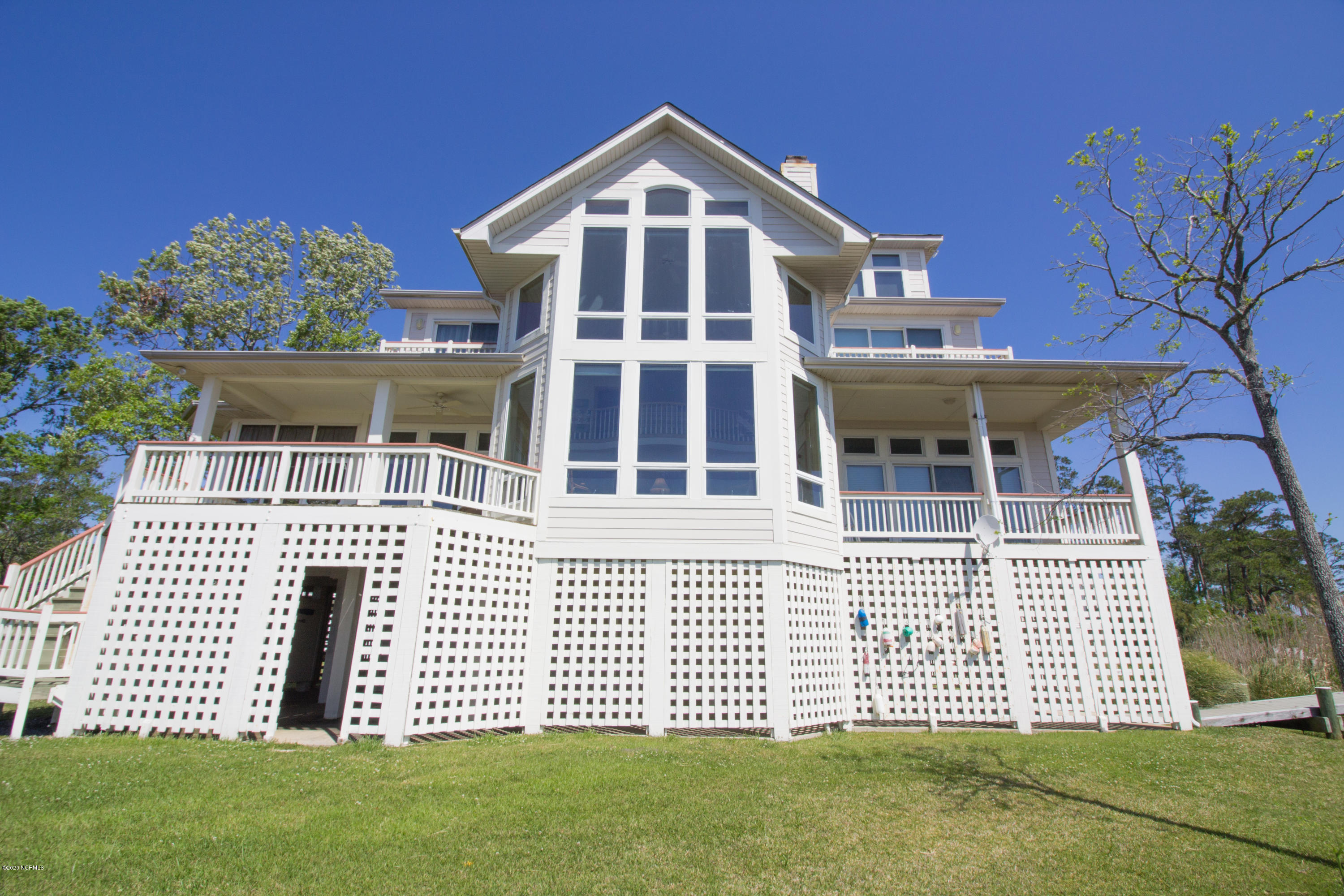 105 Commodore Point, Belhaven, North Carolina 27810, 3 Bedrooms Bedrooms, 8 Rooms Rooms,3 BathroomsBathrooms,Single family residence,For sale,Commodore,100214887