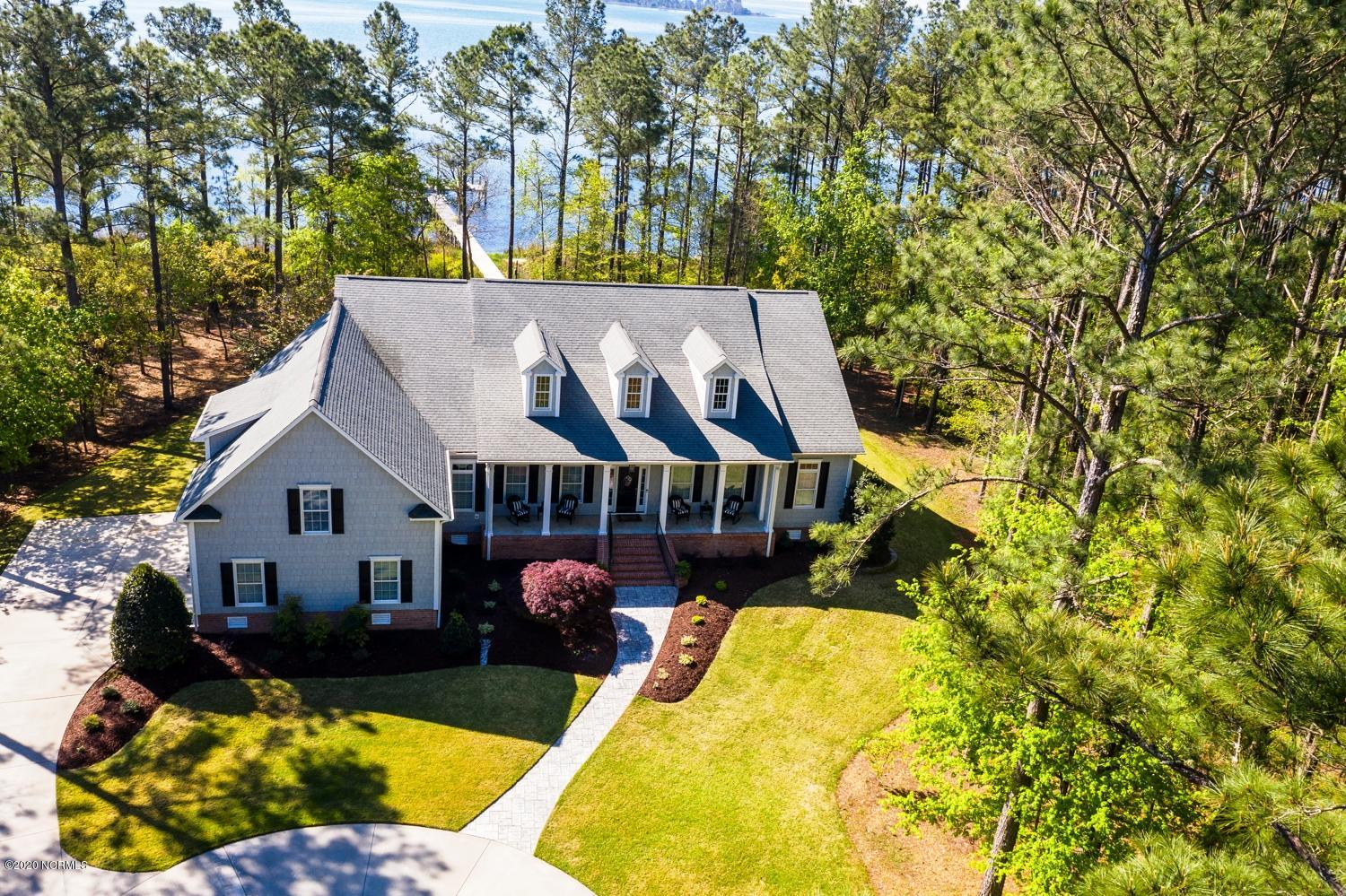 Property for sale at 1012 Harbour Pointe Drive, New Bern,  North Carolina 28560